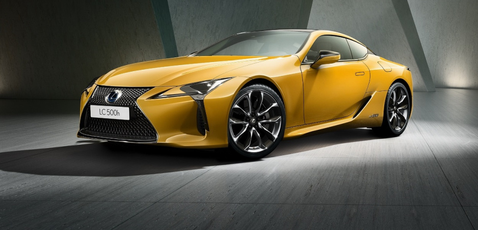 Pozrite si Lexus LC Yellow Edition Coupe na fotkách