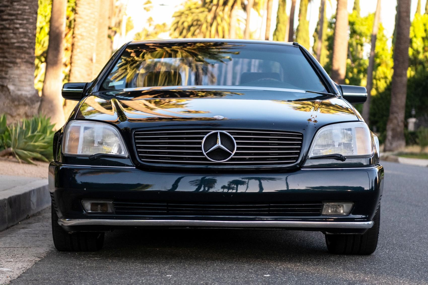 Pozrite si Mercedes S600 Michaela Jordana z roku 1996 4aRdAUsvWA lorinsercl600ex-jordanfront2sbeverl
