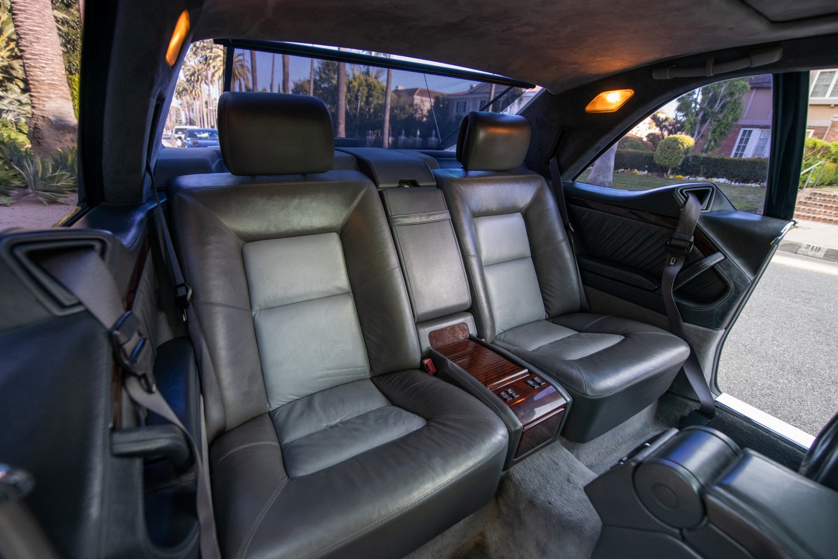 Pozrite si Mercedes S600 Michaela Jordana z roku 1996 lOKrEUoXgs lorinsercl600ex-jordanrearseatssbev