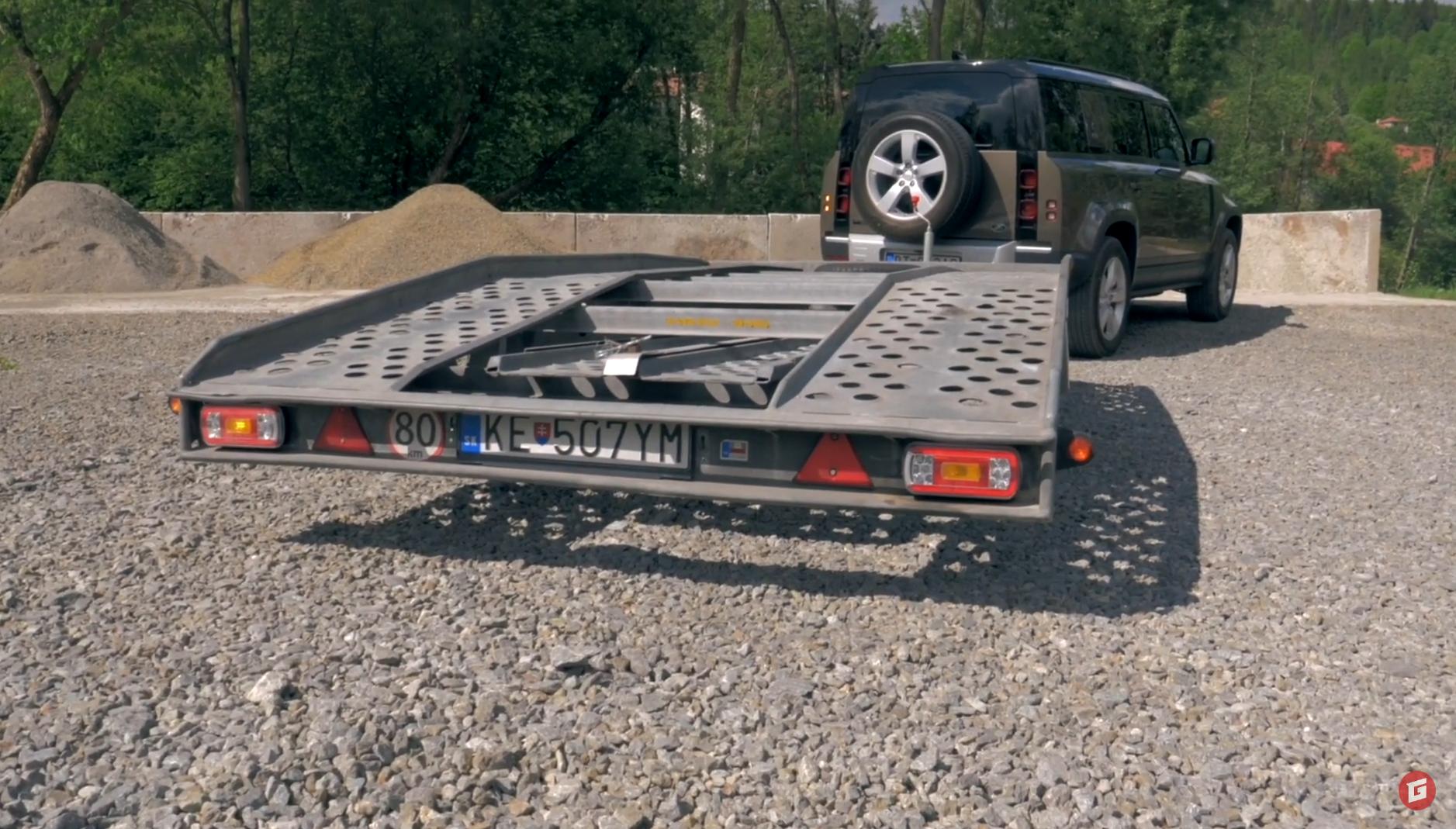 Rasťo Chvála v najnovšom videu spomína na motoristické detstvo