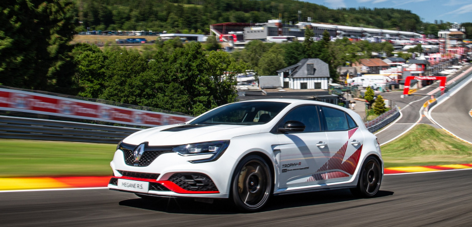 Renault Mégane R.S. Trophy-R pokoril Civic Type R na okruhu Spa-Francorchamps