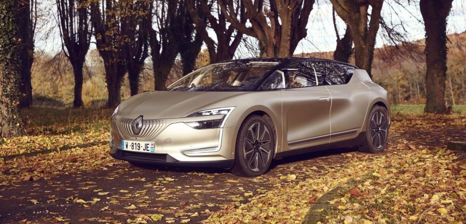Renault predvedie schopnosti funkčného prototypu Symbioz s technikou z roku 2023