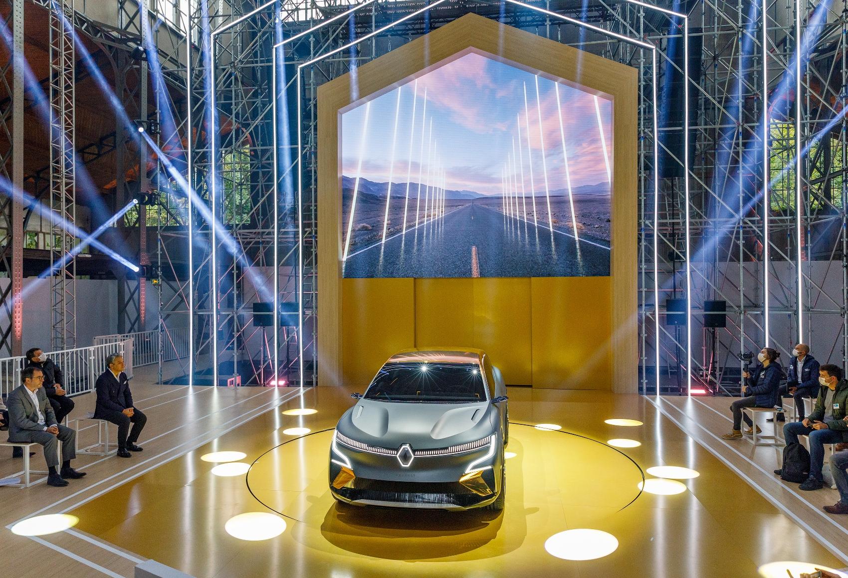 Renault ukázal elektrický koncept Megane. Na tradičný Megane sa nepodobá zp2tsQxppC 2020-renault-ewa