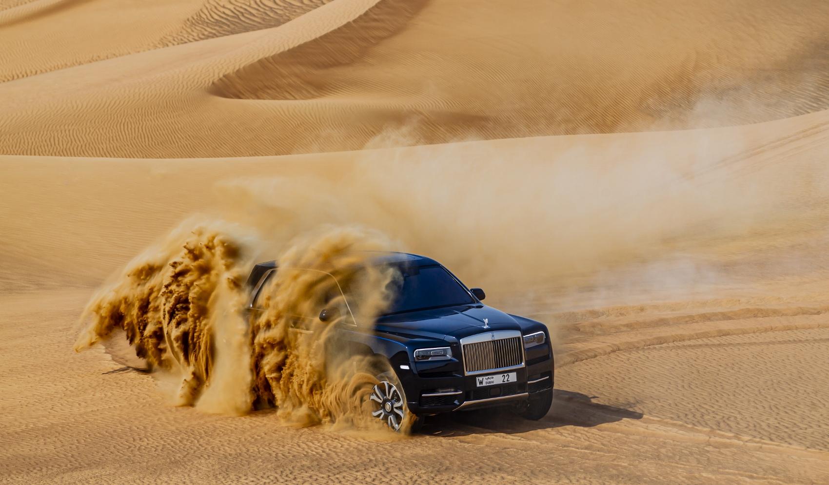 Rolls Royce Cullinan sa predviedol na púšti. Pozrite si foto aj video at1L0BqROW rolls-royce-cullina