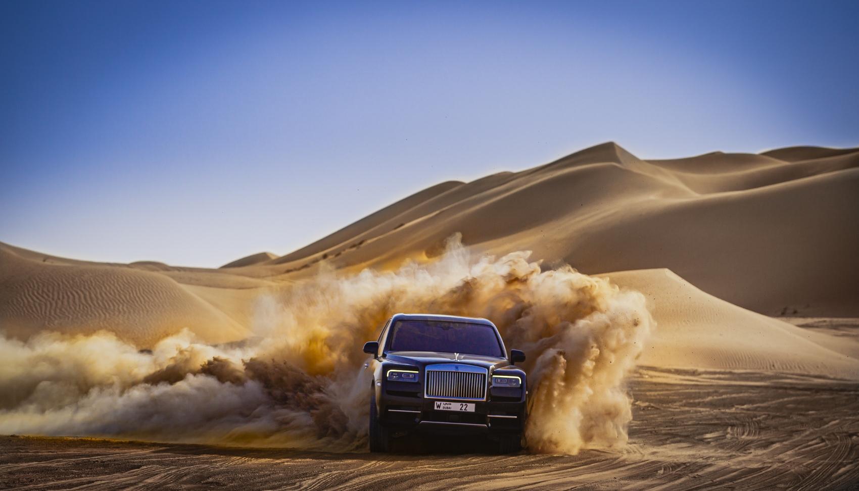 Rolls Royce Cullinan sa predviedol na púšti. Pozrite si foto aj video jXqF27ogxE rolls-royce-cullina