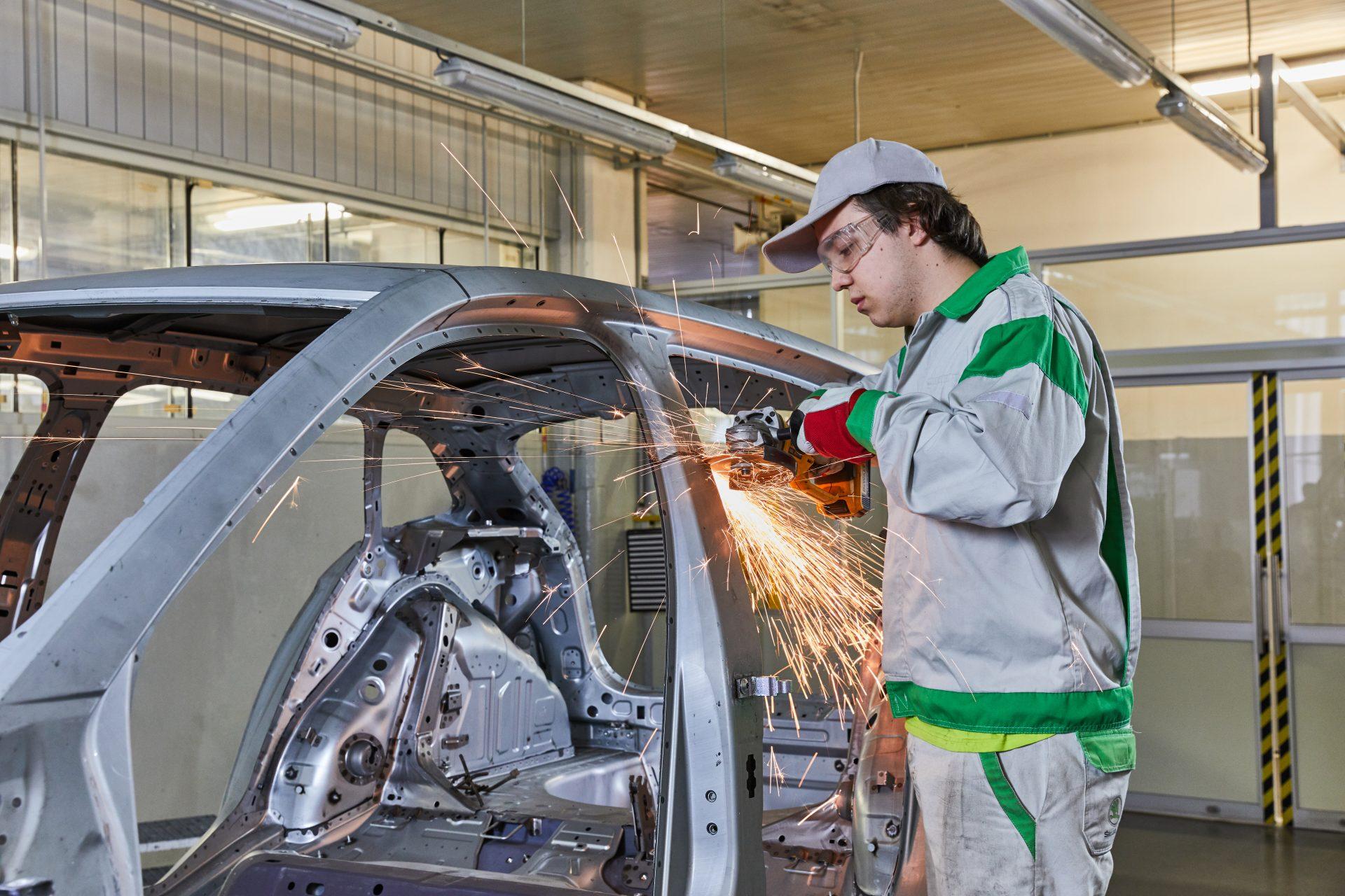 Škoda Slavia je ďalším zaujímavým projektom študentov MfugxrRKCX 02skodaslaviaassembly-1920x1280