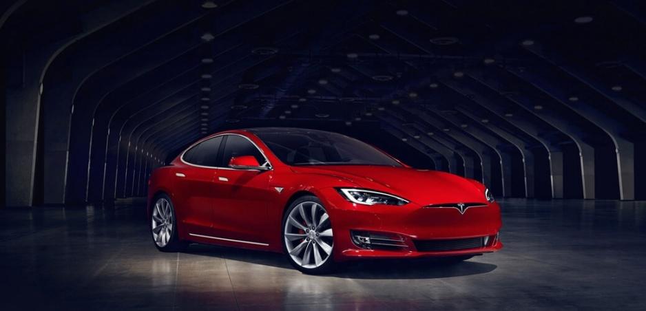 Tesla má väčšiu hodnotu ako Ford!