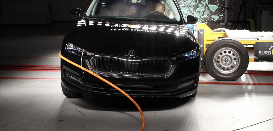 Tesla Model X, nová Octavia a ďalší prešli nárazovými testami Euro NCAP