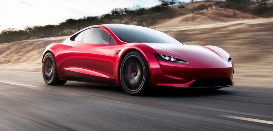 Tesla nečakane predstavila malý Roadster s rekordným zrýchlením