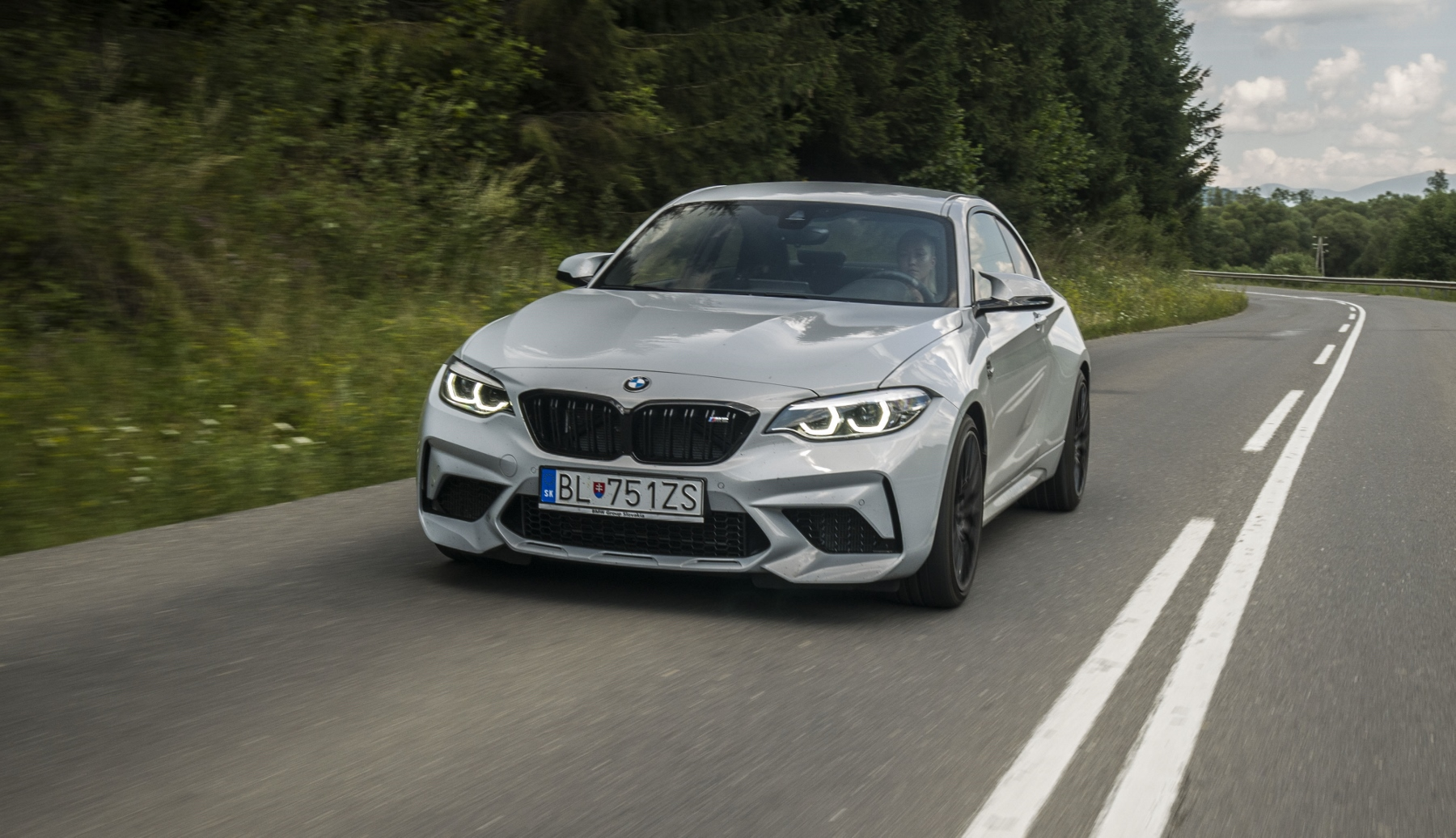 Test: BMW M2 Competition je nálož plná zábavy dBRdMzzWj4 bmw-m2-22