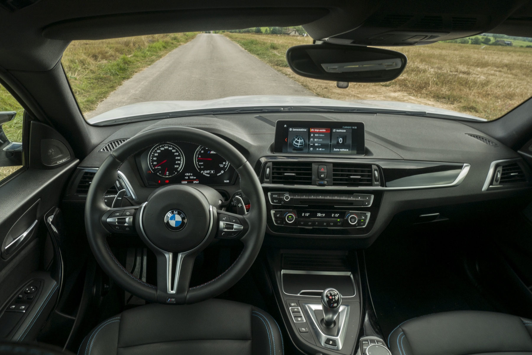 Test: BMW M2 Competition je nálož plná zábavy flfa7E58nf bmw-m2-16