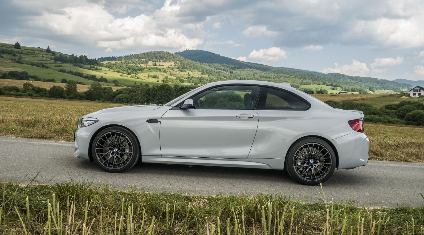 Test: BMW M2 Competition je nálož plná zábavy N5JgLFq1hR bmw-m2-5