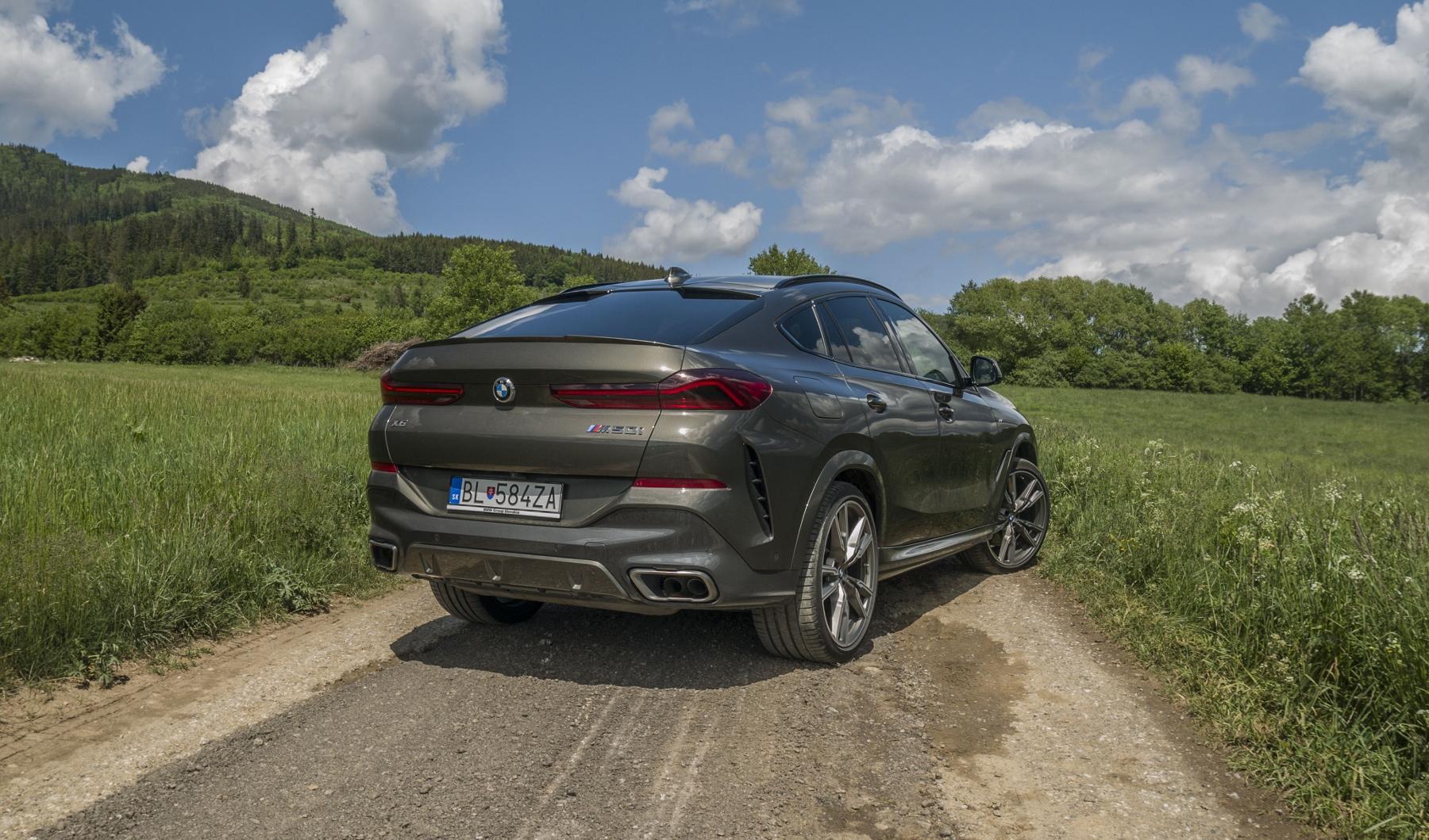 Test: BMW X6 M50i napína benzínové svaly, ale neukazuje plnú silu 7OMhcIbYVB bmw-x6-m50i-18