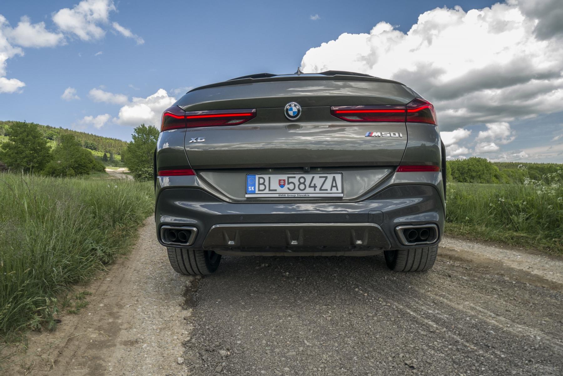Test: BMW X6 M50i napína benzínové svaly, ale neukazuje plnú silu IExHenjRl8 bmw-x6-m50i-23