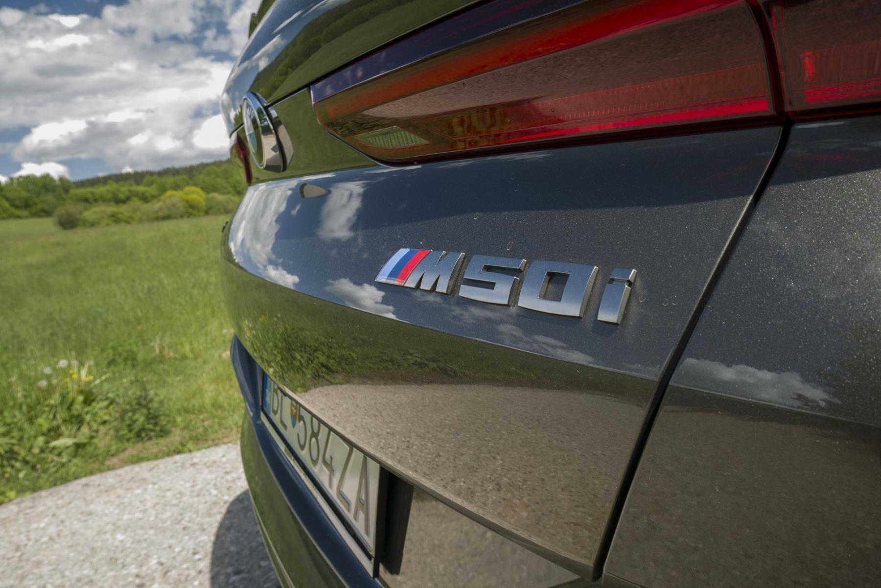 Test: BMW X6 M50i napína benzínové svaly, ale neukazuje plnú silu IFs1HonAes bmw-x6-m50i-12