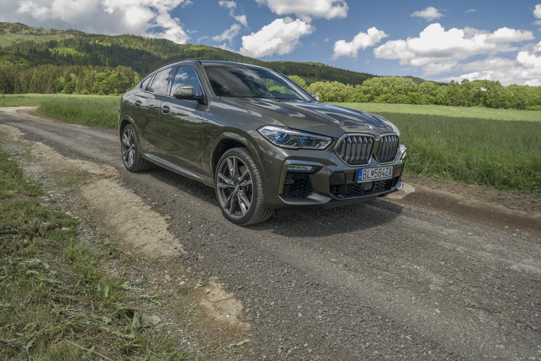 Test: BMW X6 M50i napína benzínové svaly, ale neukazuje plnú silu IIuGW2KWOg bmw-x6-m50i-29