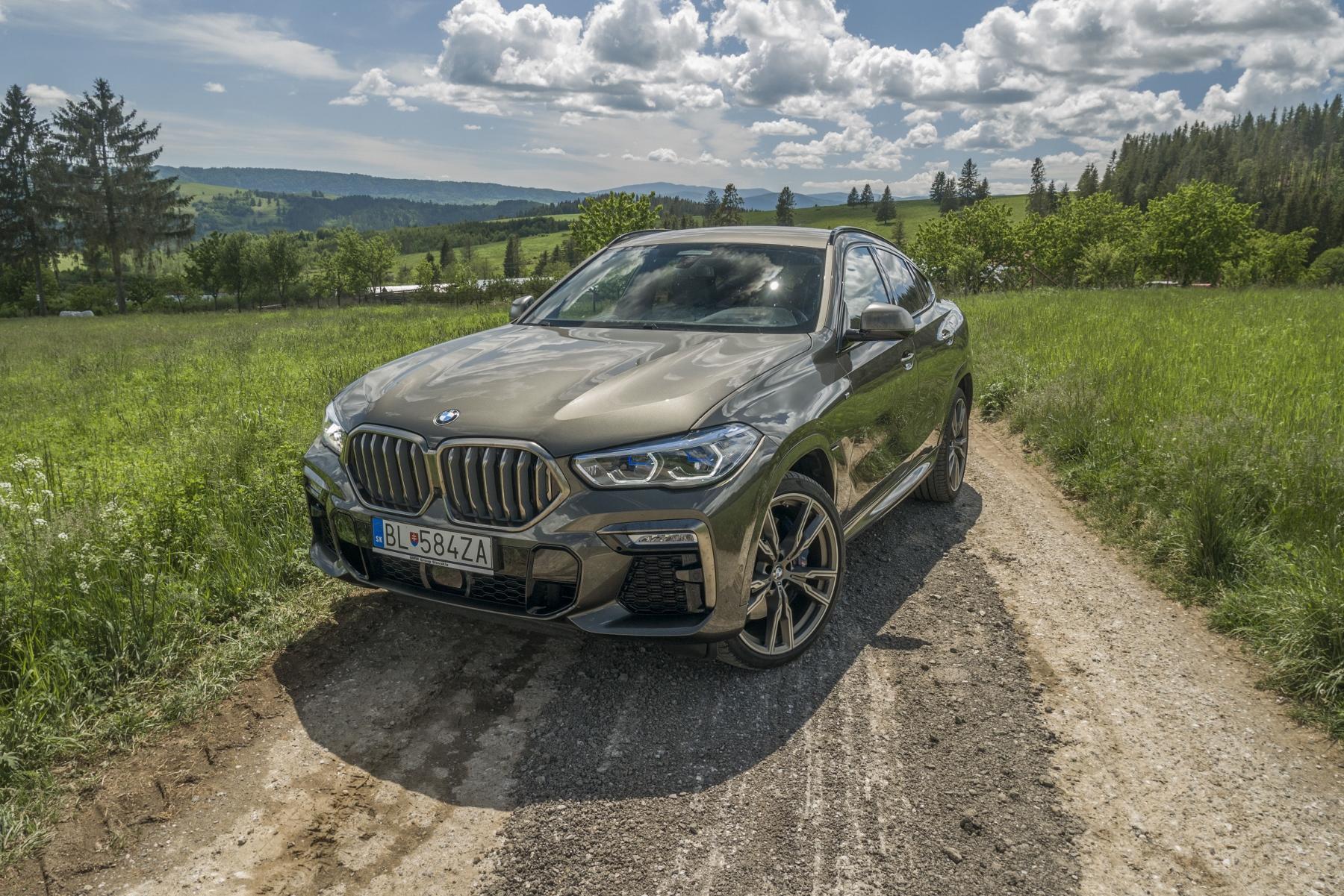 Test: BMW X6 M50i napína benzínové svaly, ale neukazuje plnú silu lBfa5sQklH bmw-x6-m50i-19