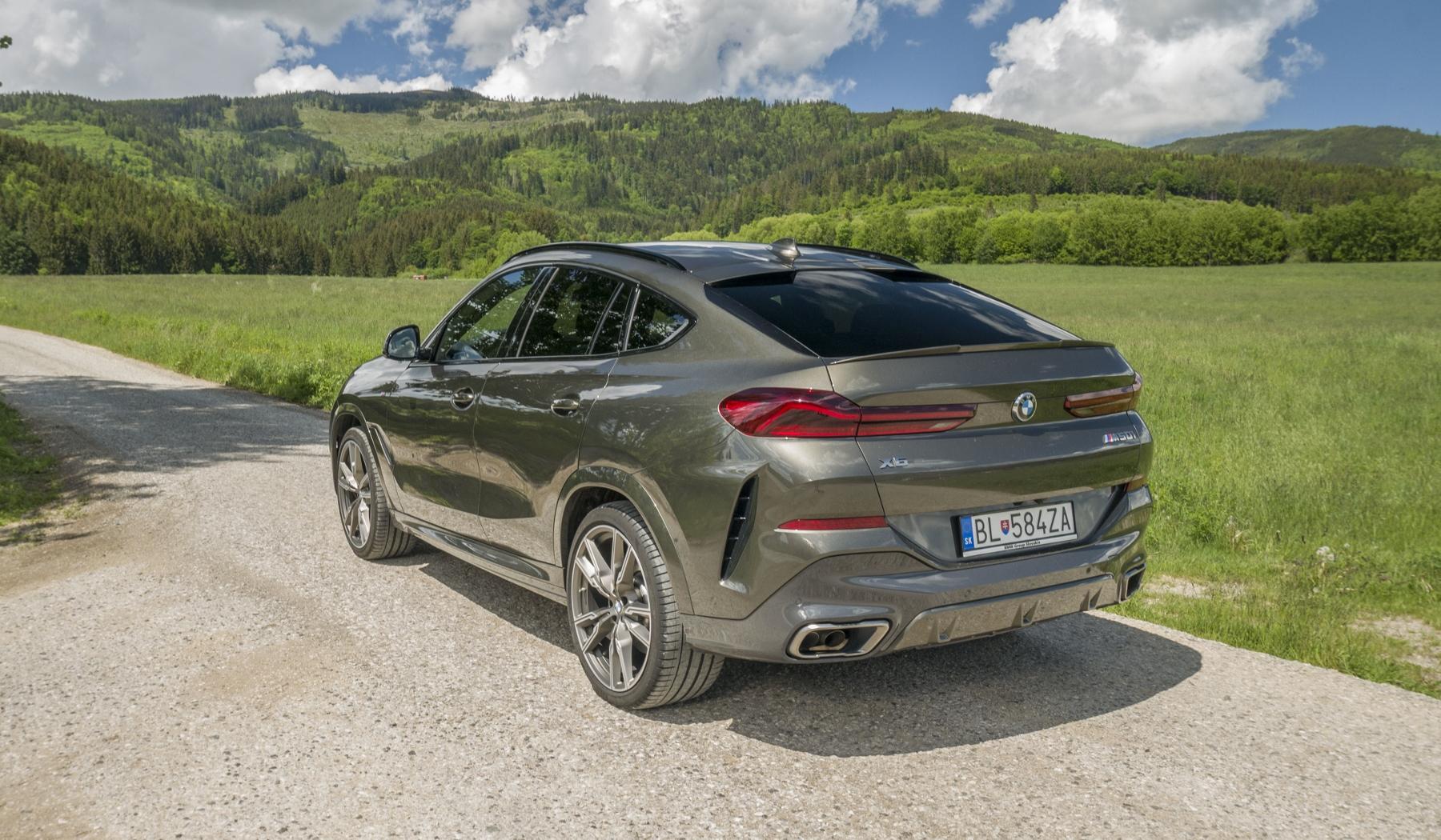 Test: BMW X6 M50i napína benzínové svaly, ale neukazuje plnú silu mxKvWSQLyd bmw-x6-m50i-13
