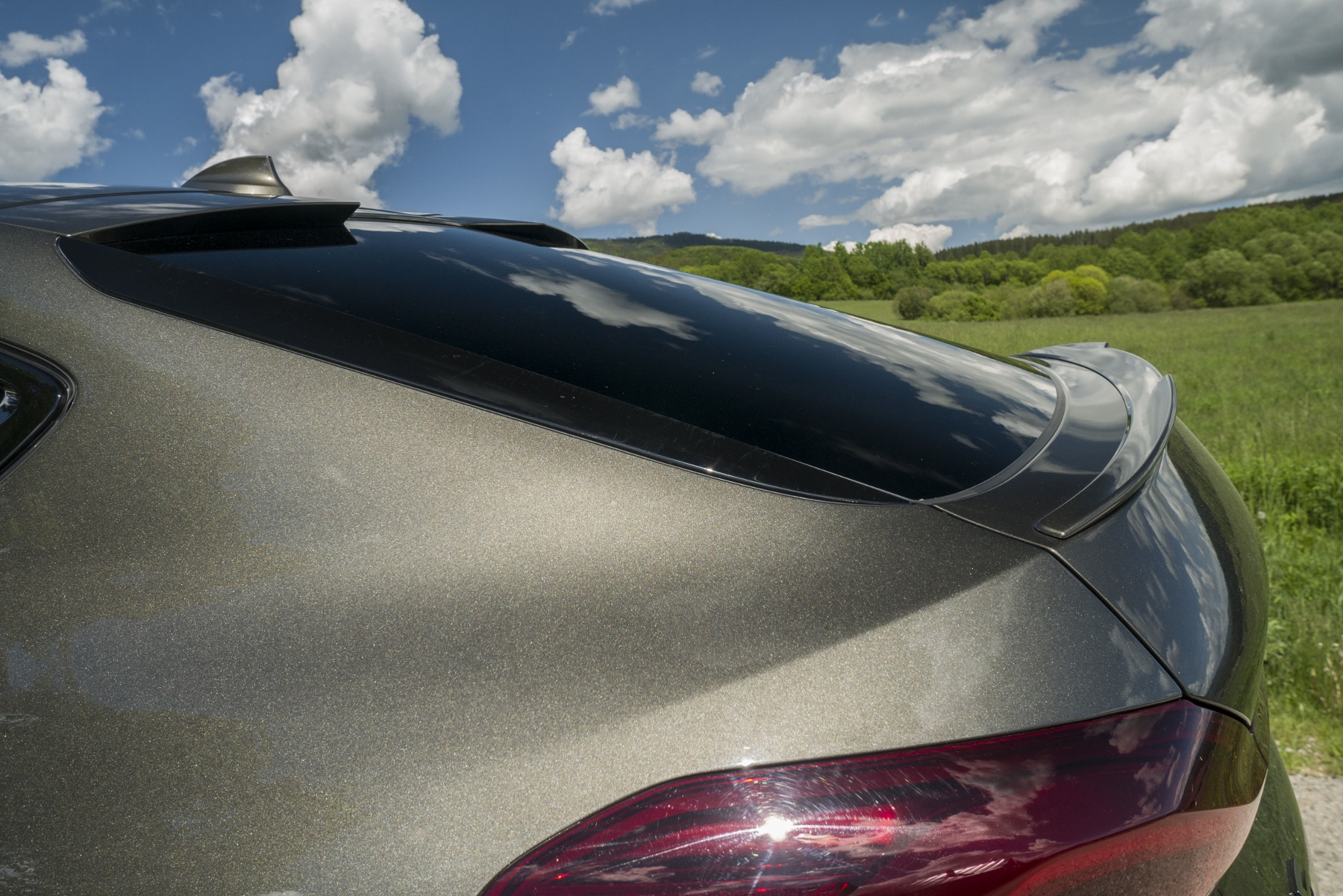 Test: BMW X6 M50i napína benzínové svaly, ale neukazuje plnú silu veO84uHhbp bmw-x6-m50i-16