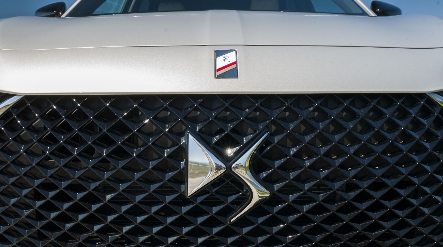 Test: DS 7 Crossback E-Tense kombinuje výborný pohon a luxusnú výbavu BM31gwT8FB ds-7-crossback-7
