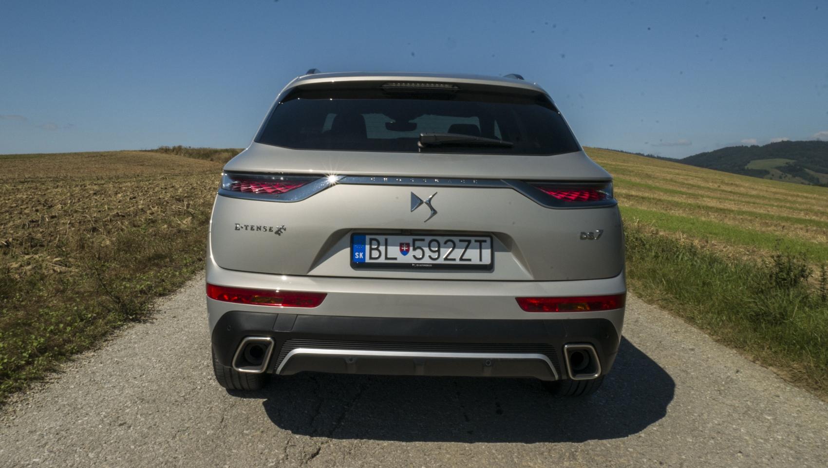 Test: DS 7 Crossback E-Tense kombinuje výborný pohon a luxusnú výbavu GEX0YzwzoY ds-7-crossback-15