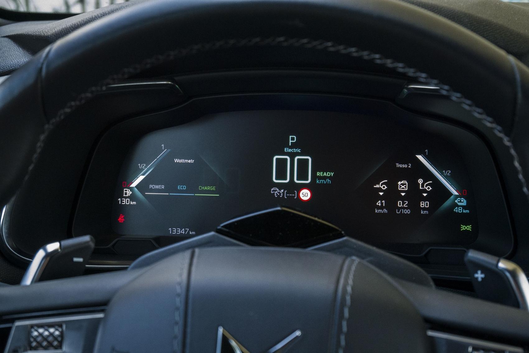 Test: DS 7 Crossback E-Tense kombinuje výborný pohon a luxusnú výbavu NlF4fXD9GR ds-7-crossback-18