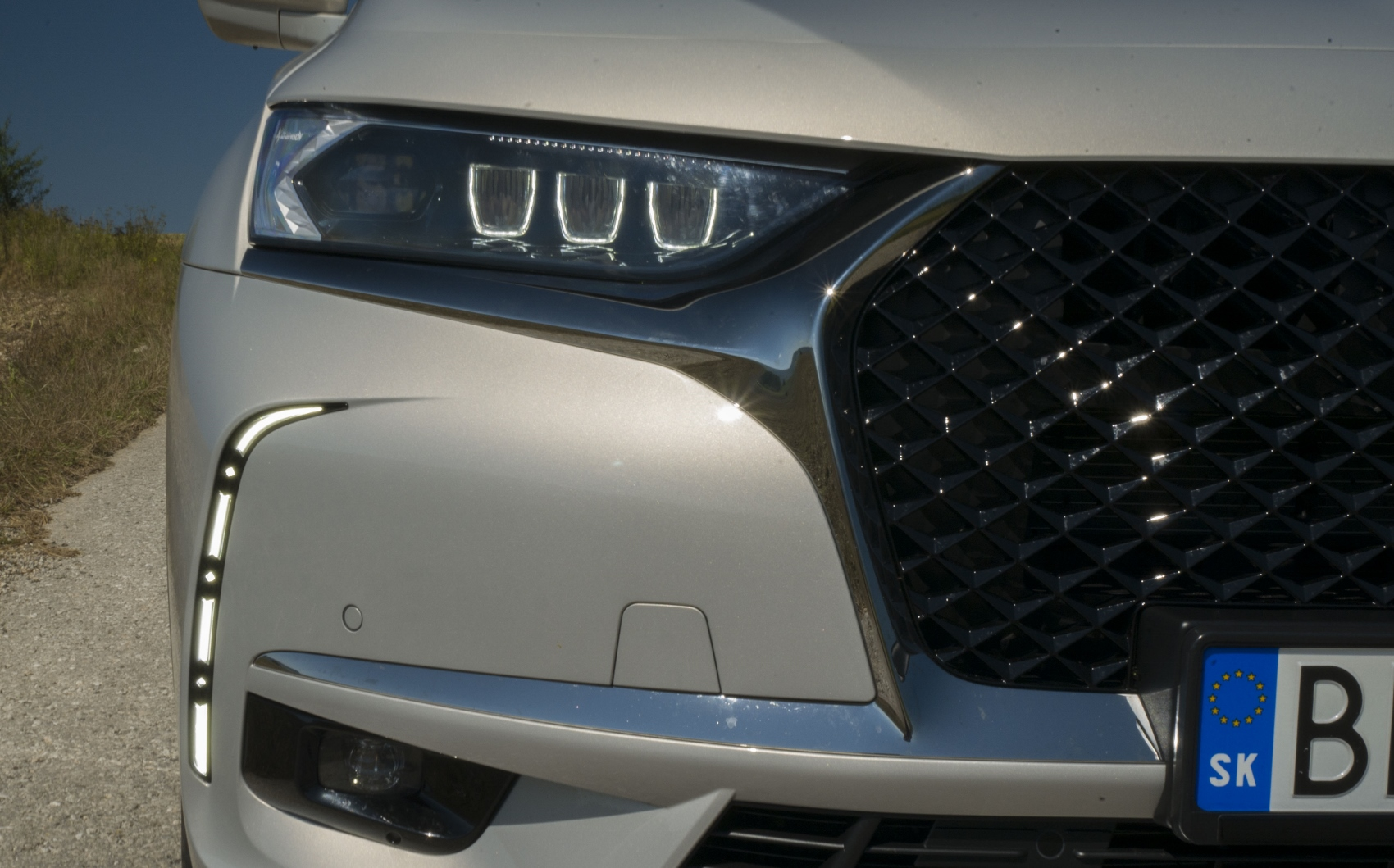 Test: DS 7 Crossback E-Tense kombinuje výborný pohon a luxusnú výbavu uMYsd77Pqr ds-7-crossback-10