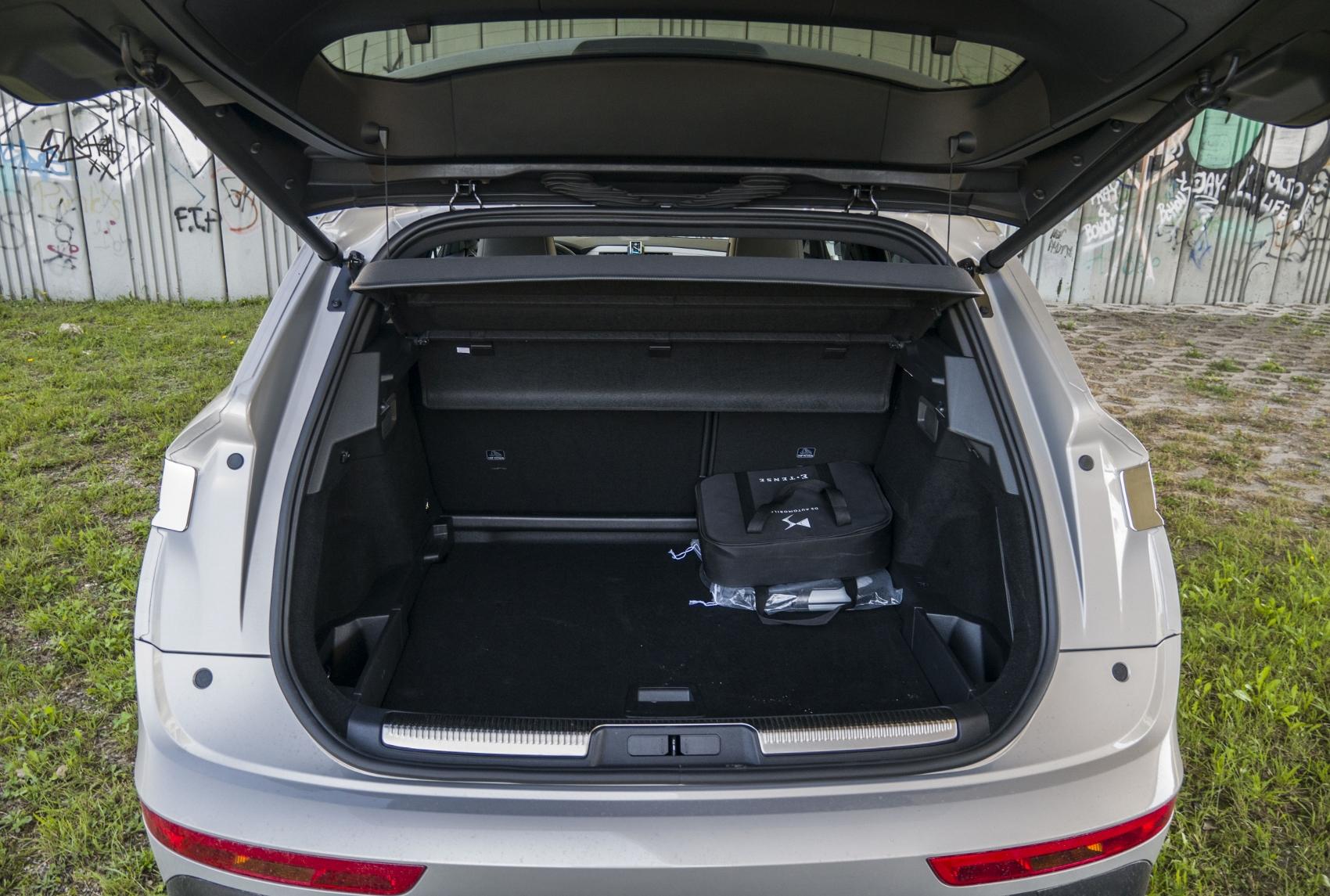 Test: DS 7 Crossback E-Tense kombinuje výborný pohon a luxusnú výbavu yKGgqRvrN6 ds-7-crossback-26