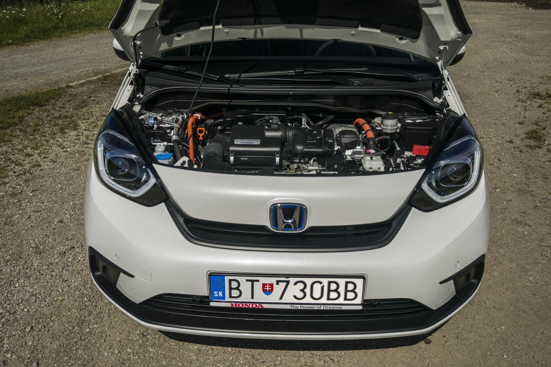 Test: Honda Jazz je kráľ spotreby a využiteľnosti priestoru 6XAMyk8x1v honda-jazz-7