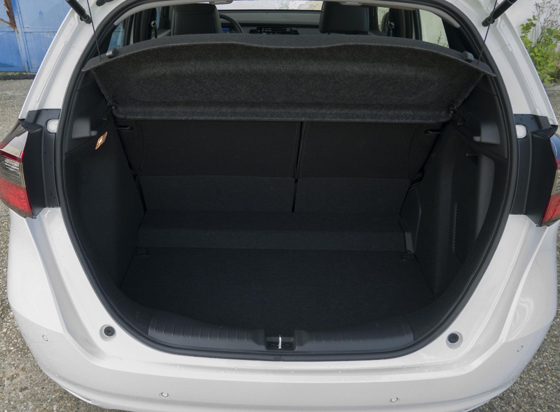 Test: Honda Jazz je kráľ spotreby a využiteľnosti priestoru 83MuF0tdIY honda-jazz-19