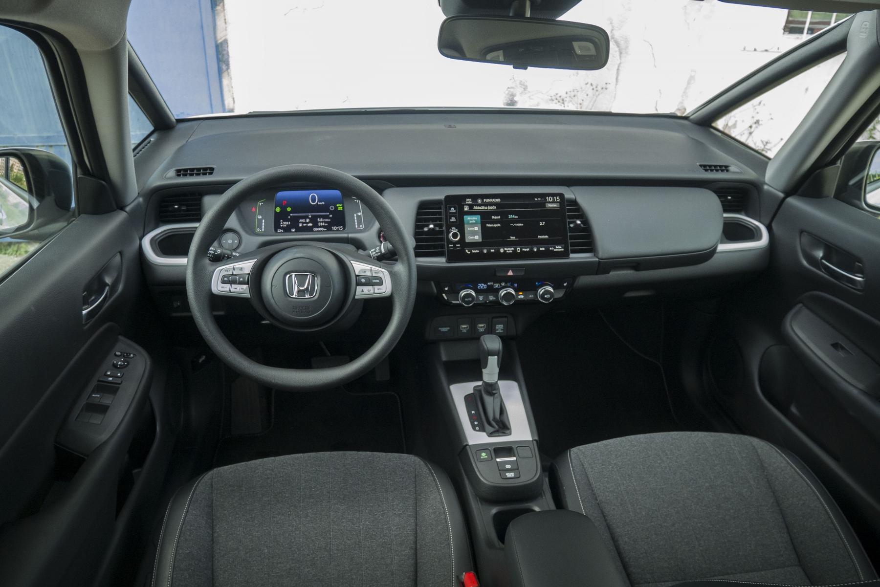 Test: Honda Jazz je kráľ spotreby a využiteľnosti priestoru DmgSkaYMUm honda-jazz-27