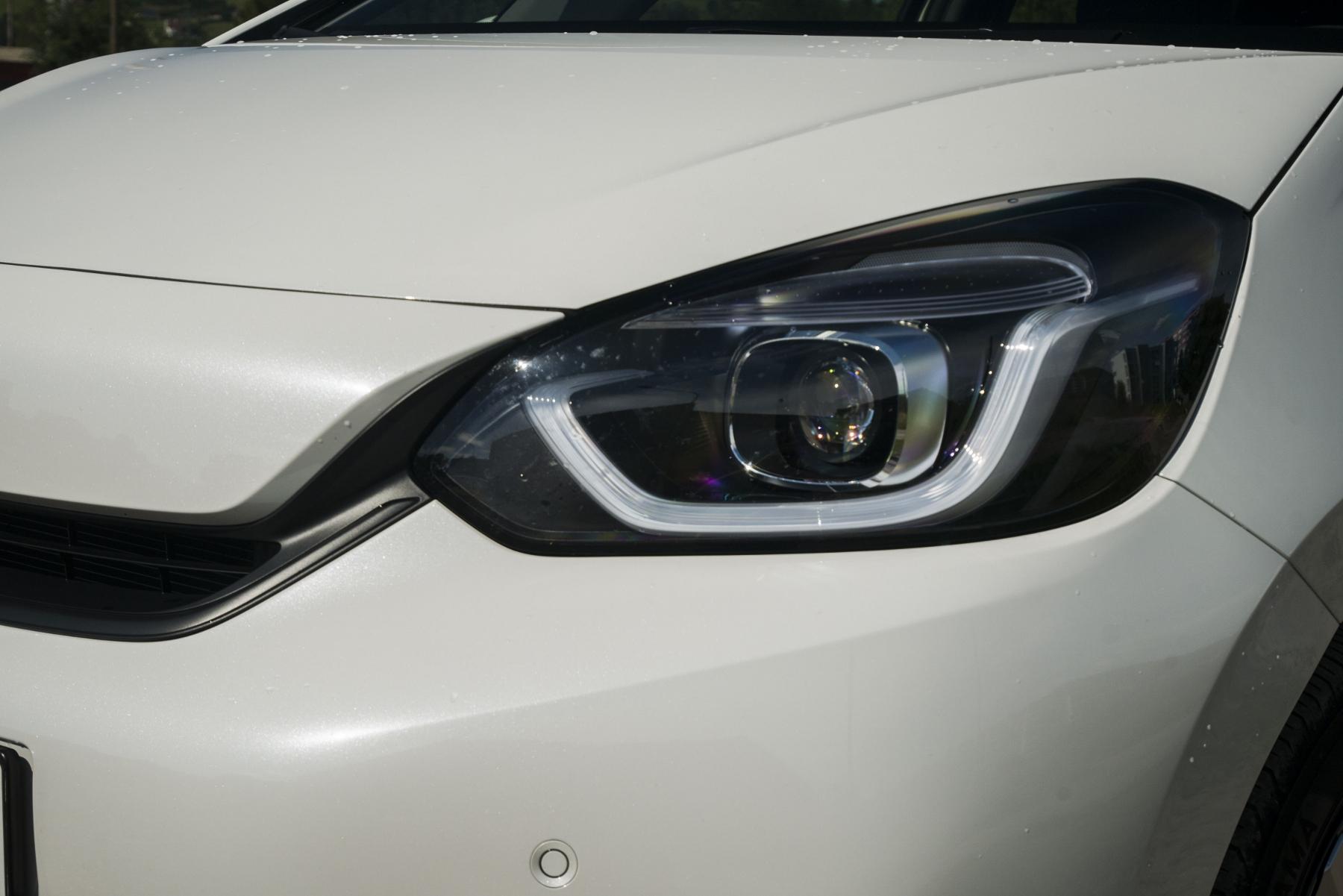 Test: Honda Jazz je kráľ spotreby a využiteľnosti priestoru W1nmlT530Y honda-jazz-10