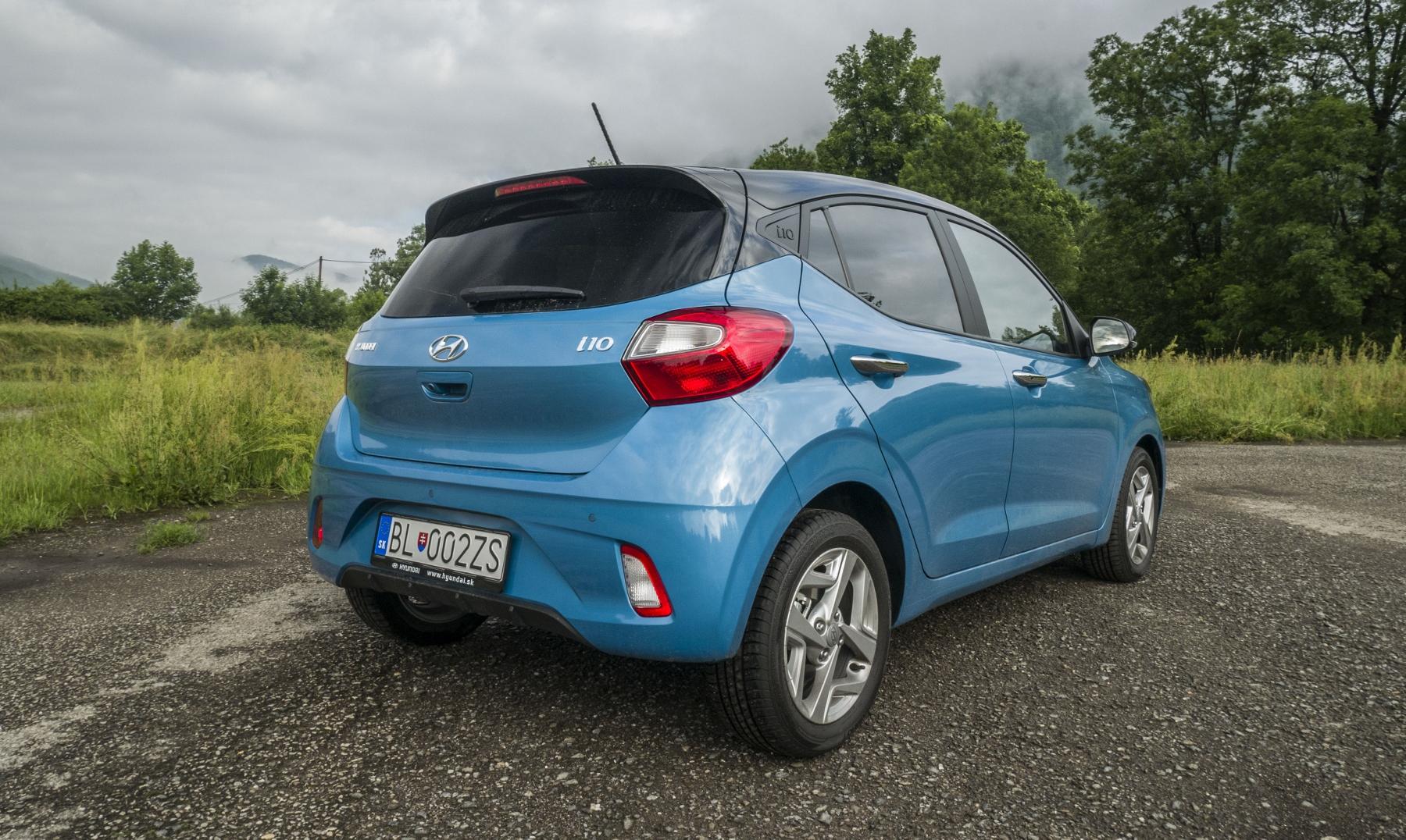 Test: Hyundai i10 je zameraný do mesta. Zo škatuľky vytŕča podvozkom 4DKRkVXoVJ hyundai-i10-12