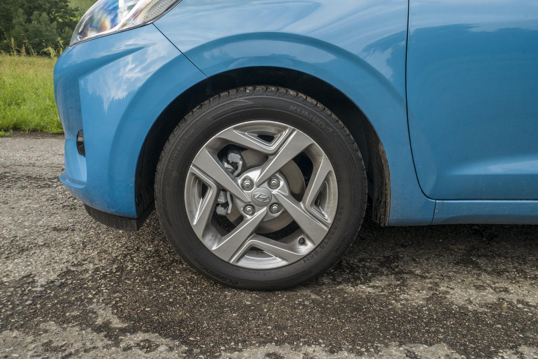 Test: Hyundai i10 je zameraný do mesta. Zo škatuľky vytŕča podvozkom RHH9l31PJ9 hyundai-i10-8