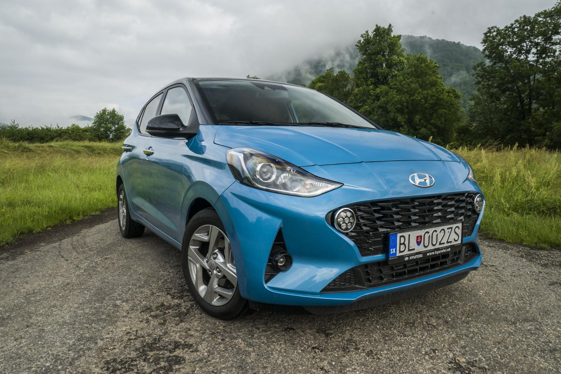 Test: Hyundai i10 je zameraný do mesta. Zo škatuľky vytŕča podvozkom SCq8yjLkrP hyundai-i10-4
