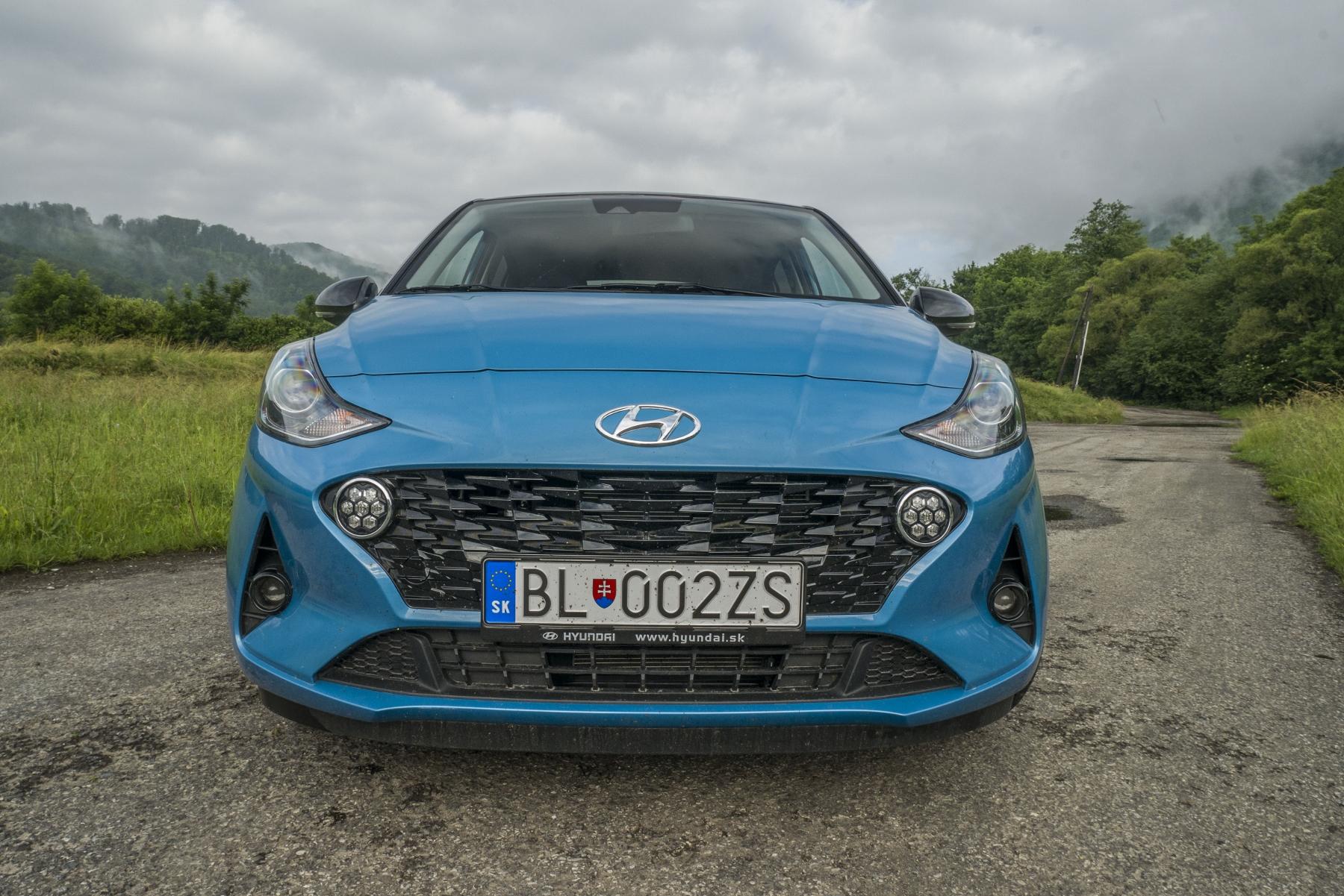 Test: Hyundai i10 je zameraný do mesta. Zo škatuľky vytŕča podvozkom YAchf4nWtg hyundai-i10-6