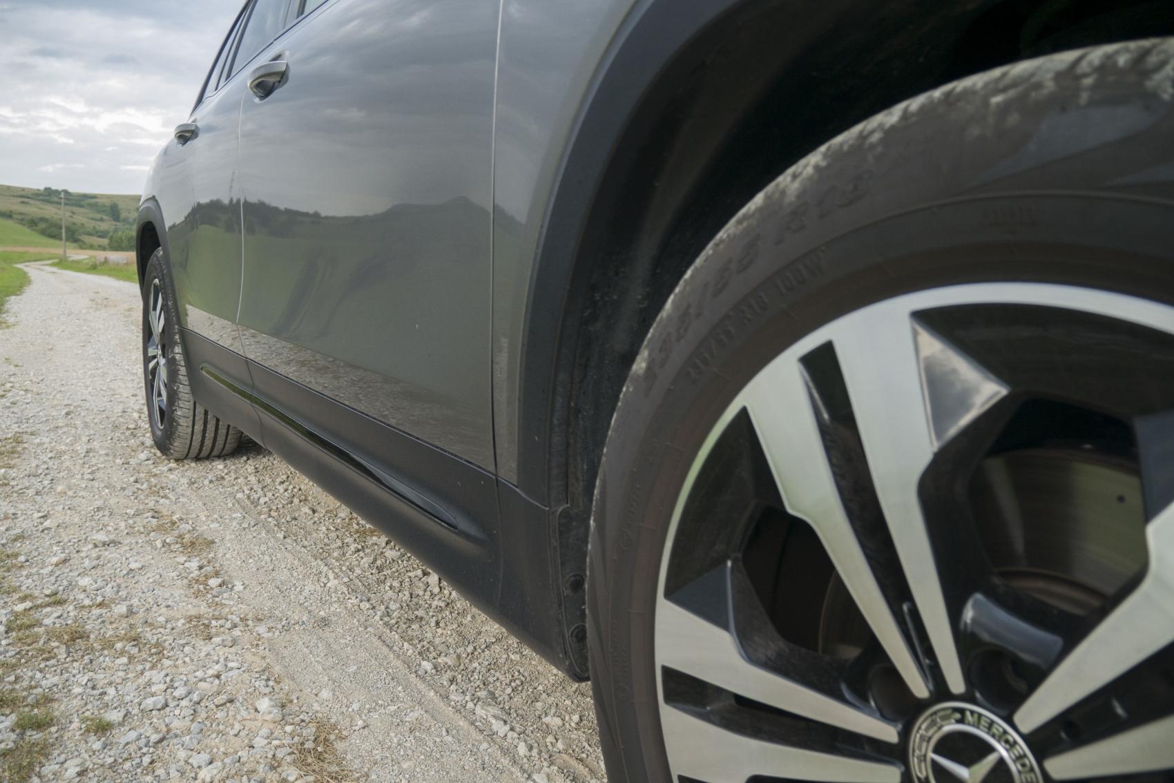 Test: Mercedes GLB 200 ponúka veľký priestor v malom balení 1g4XAdGlqD mercedes-glb-09-1700x1134