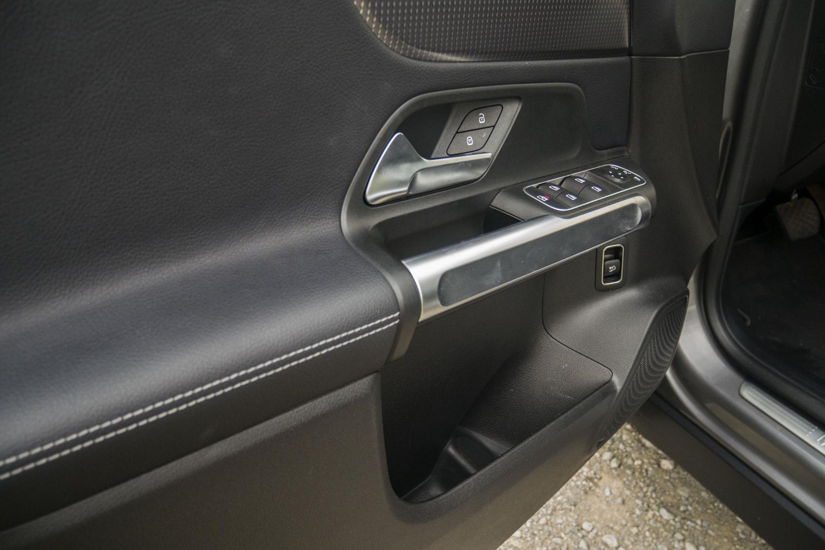Test: Mercedes GLB 200 ponúka veľký priestor v malom balení 2eWK2I09zO mercedes-glb-30-1700x1134