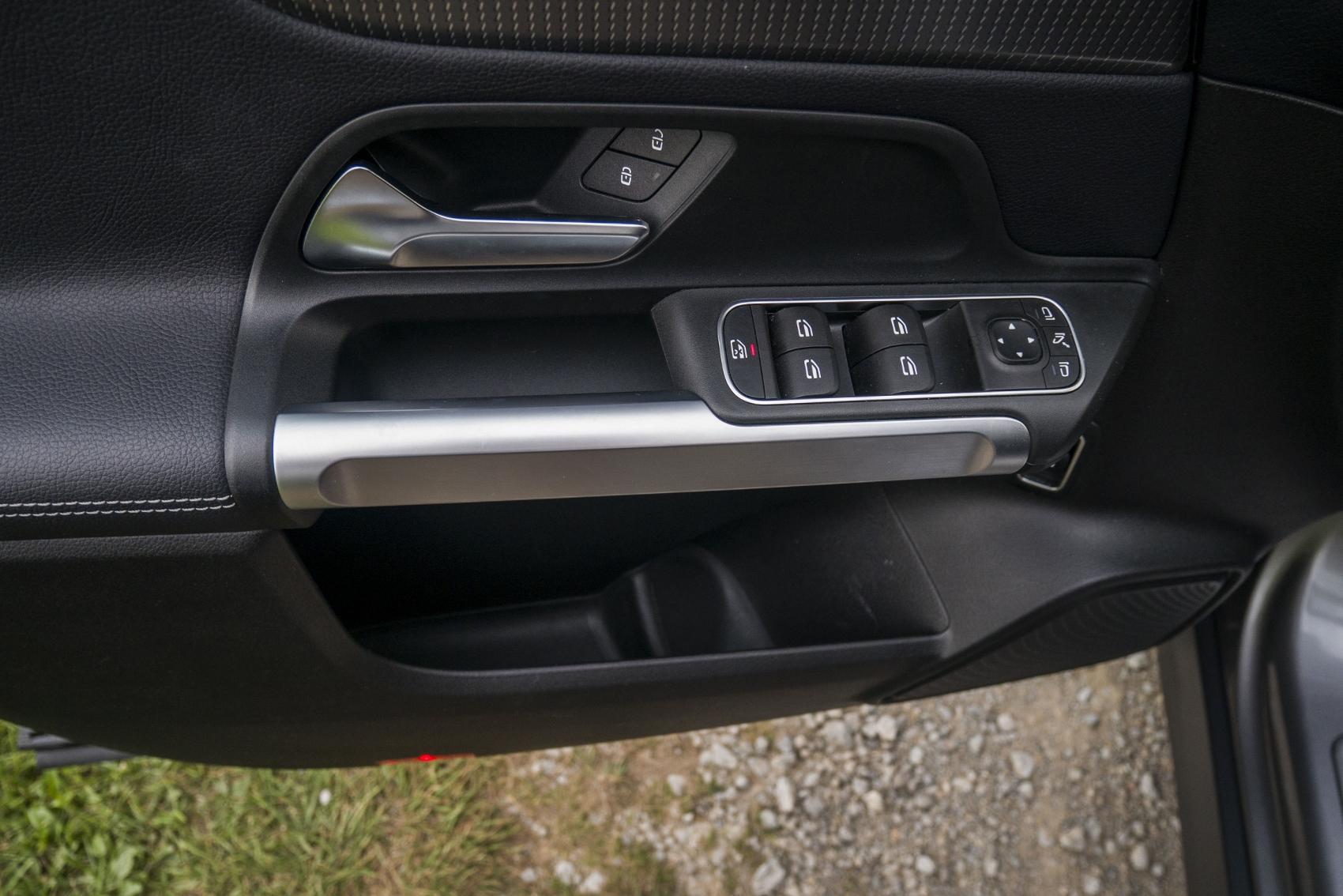 Test: Mercedes GLB 200 ponúka veľký priestor v malom balení pgxJx01HPC mercedes-glb-31-1700x1134