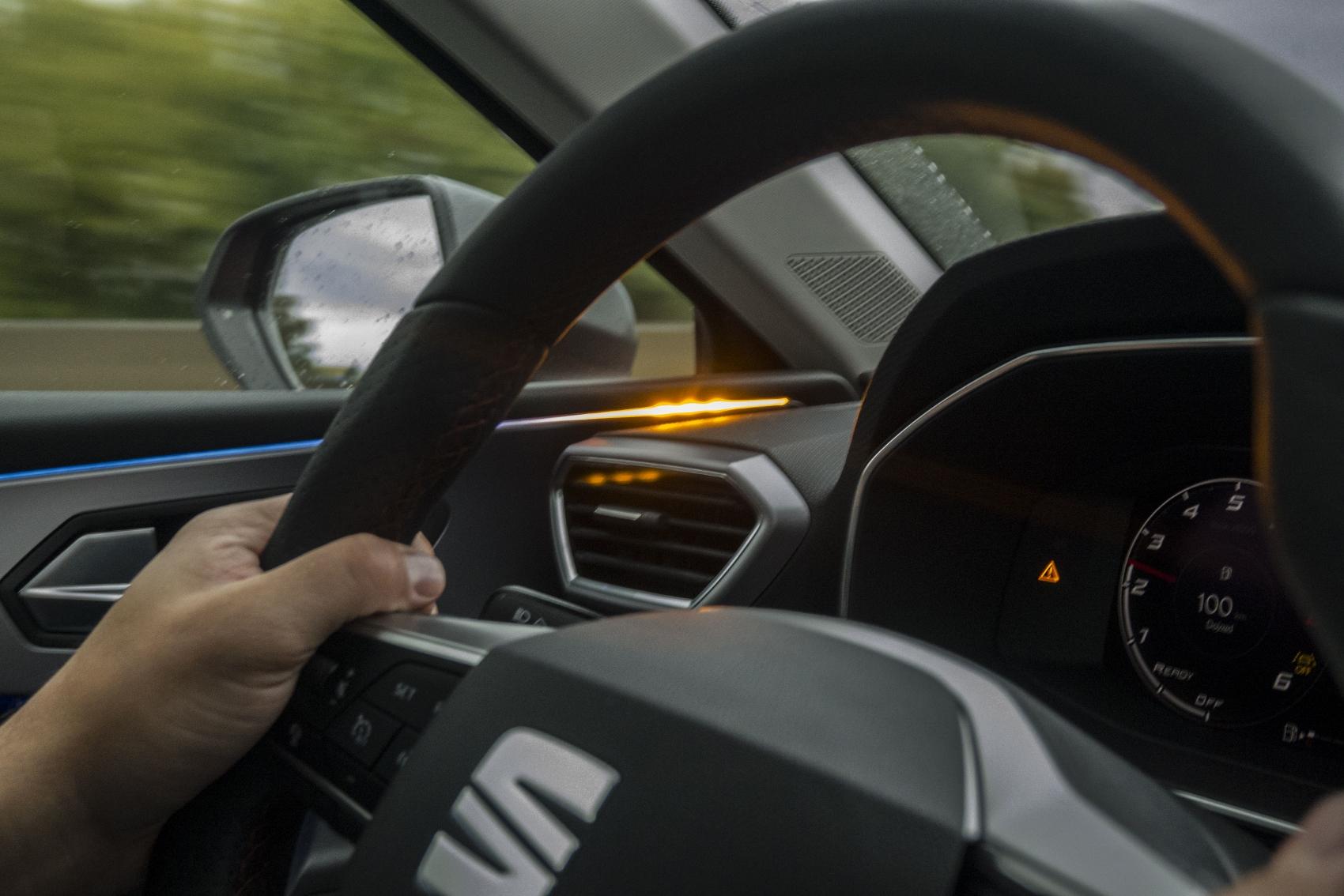 Test: Nový Seat Leon láka na moderné technológie  BwVIQ1rXQE seat-leon-37