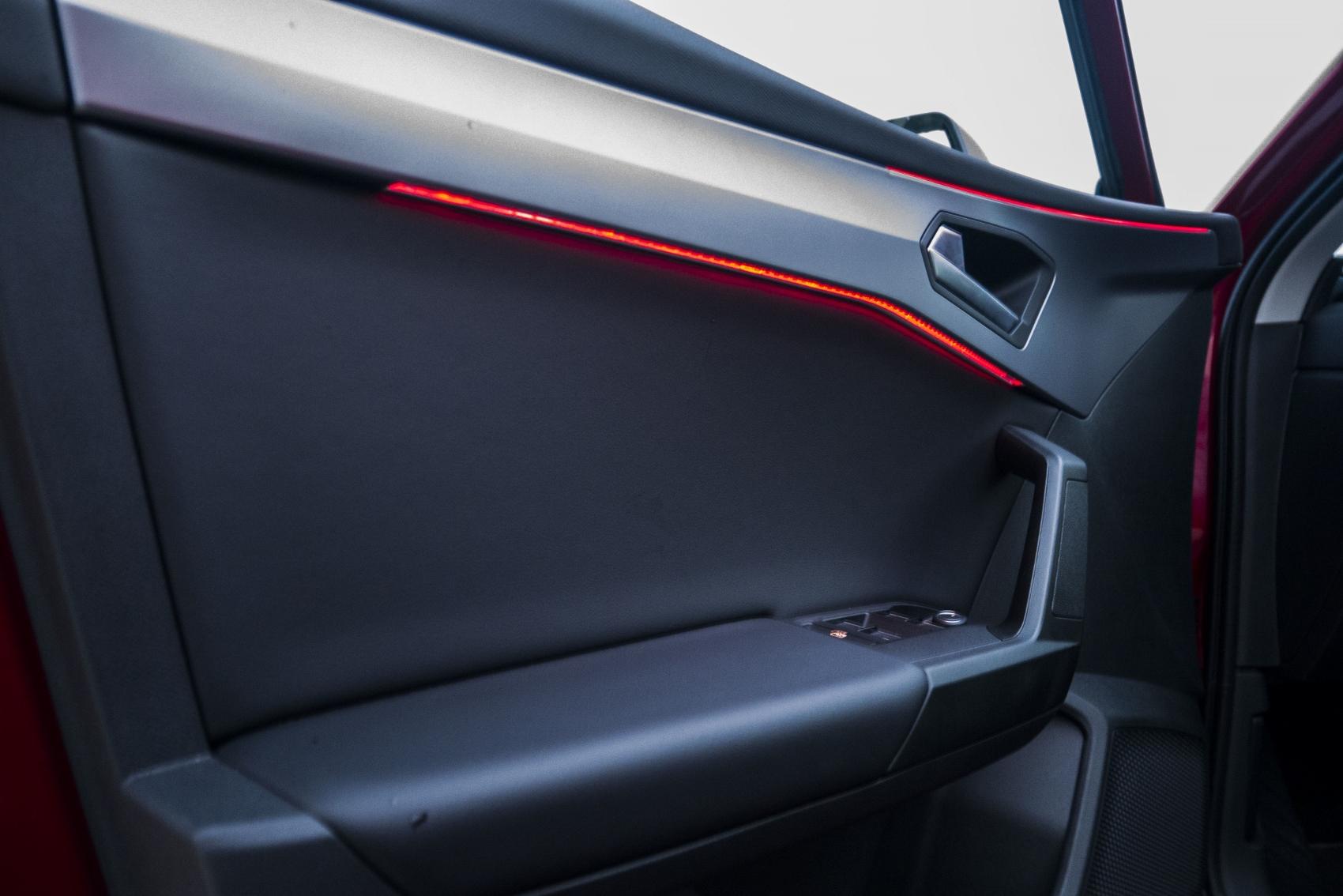 Test: Nový Seat Leon láka na moderné technológie  gmdJKDvZet seat-leon-41
