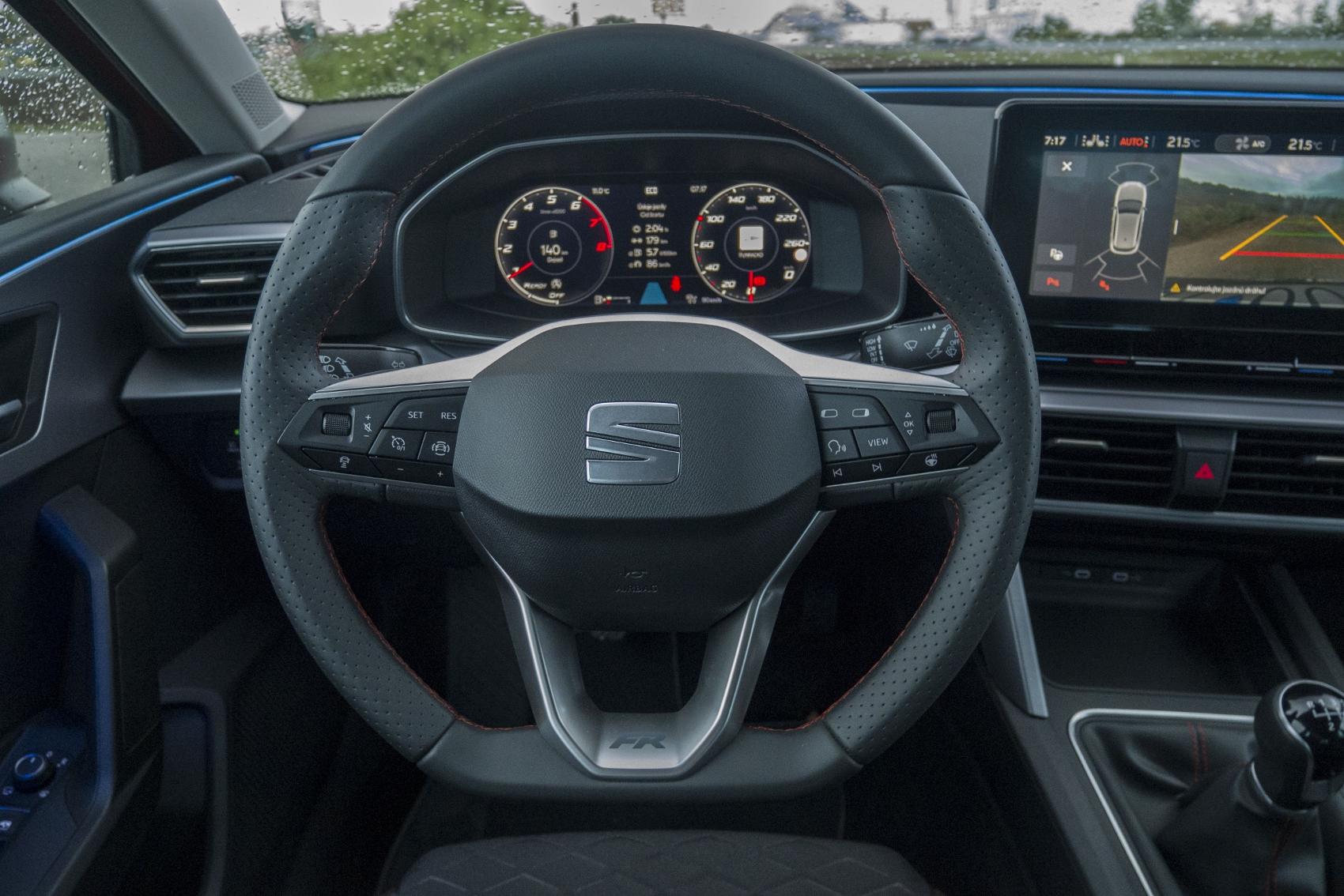 Test: Nový Seat Leon láka na moderné technológie  sH2uSSkY09 seat-leon-33