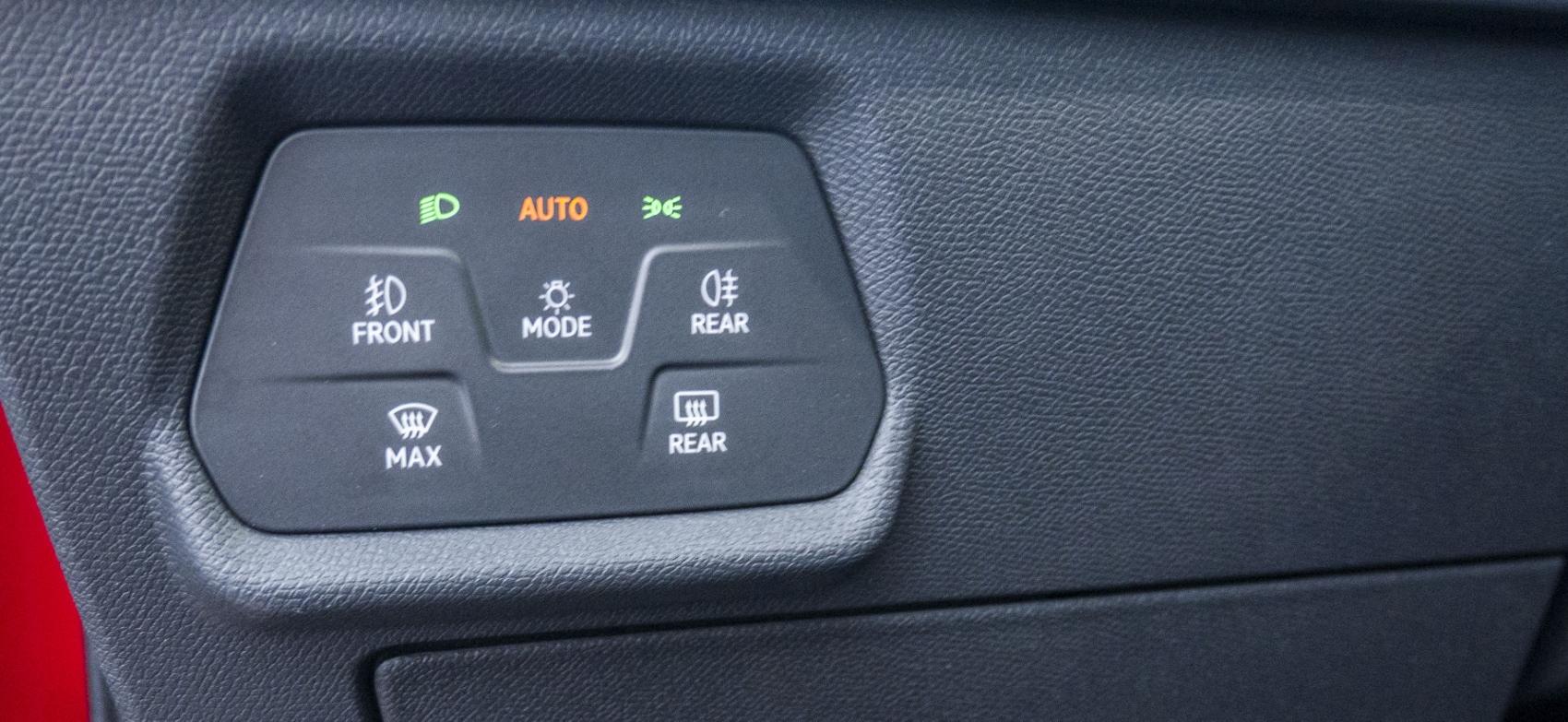 Test: Nový Seat Leon láka na moderné technológie  Tte0HKEkrj seat-leon-39
