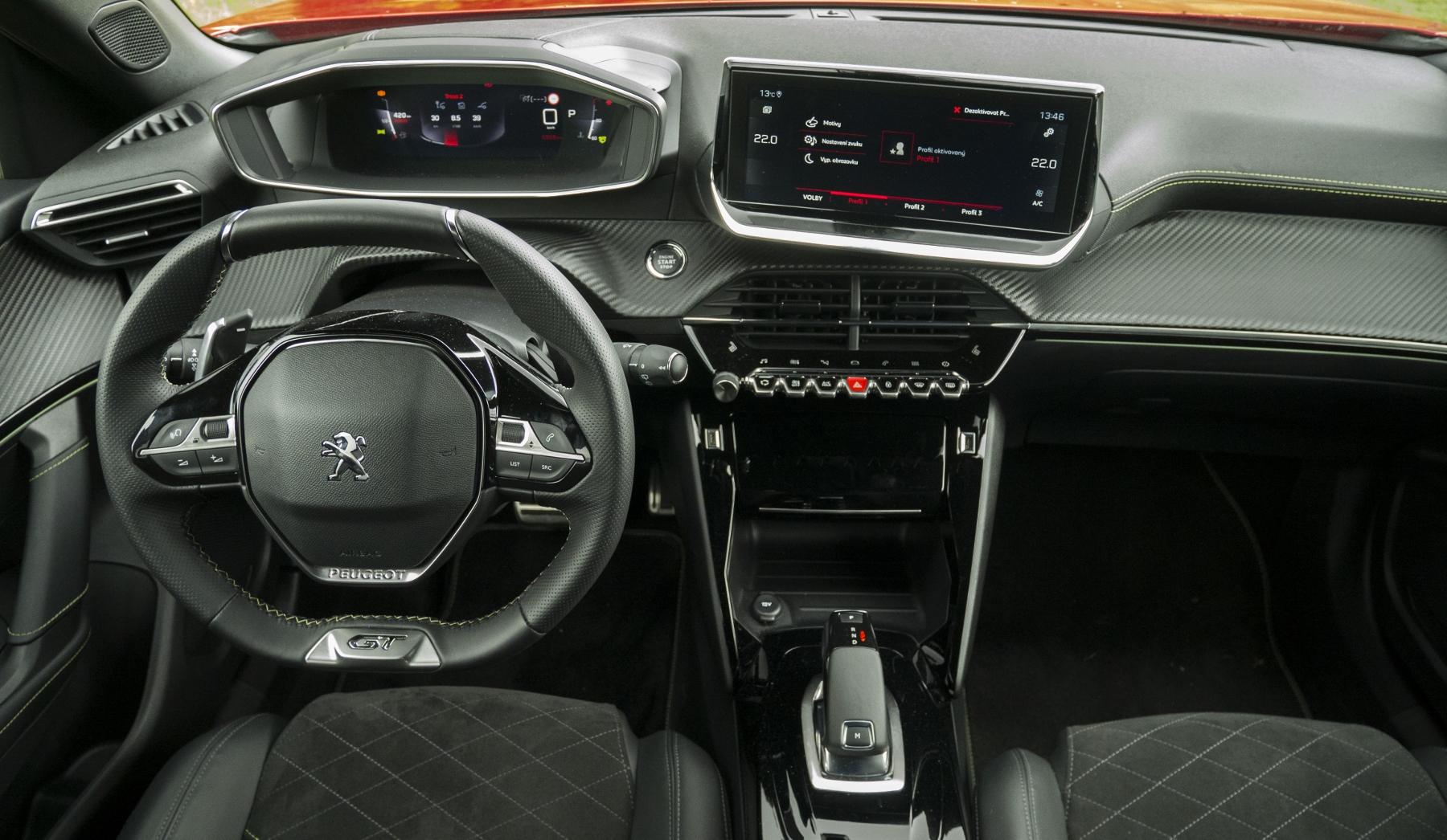 Test: Peugeot 2008 GT ohuruje silným trojvalcom a dobrou prevodovkou 2k2J2iPunT peugeot-2008-49