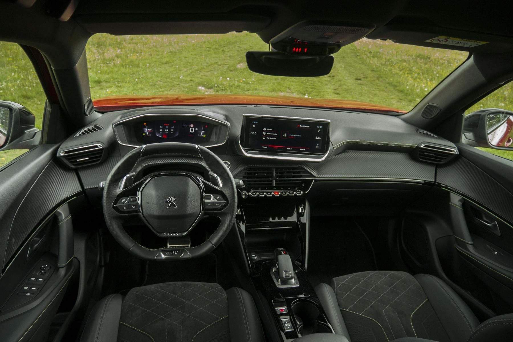 Test: Peugeot 2008 GT ohuruje silným trojvalcom a dobrou prevodovkou g5QaoUwG7e peugeot-2008-48