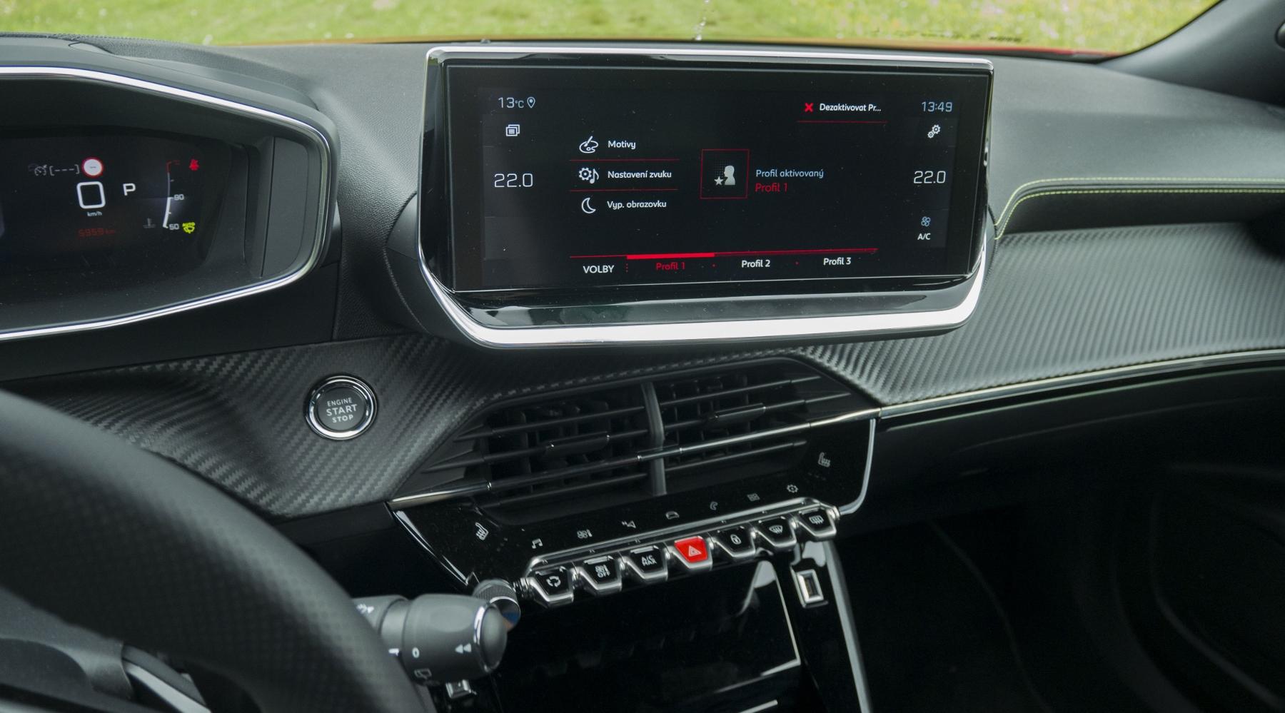 Test: Peugeot 2008 GT ohuruje silným trojvalcom a dobrou prevodovkou zUAVX26mfw peugeot-2008-53