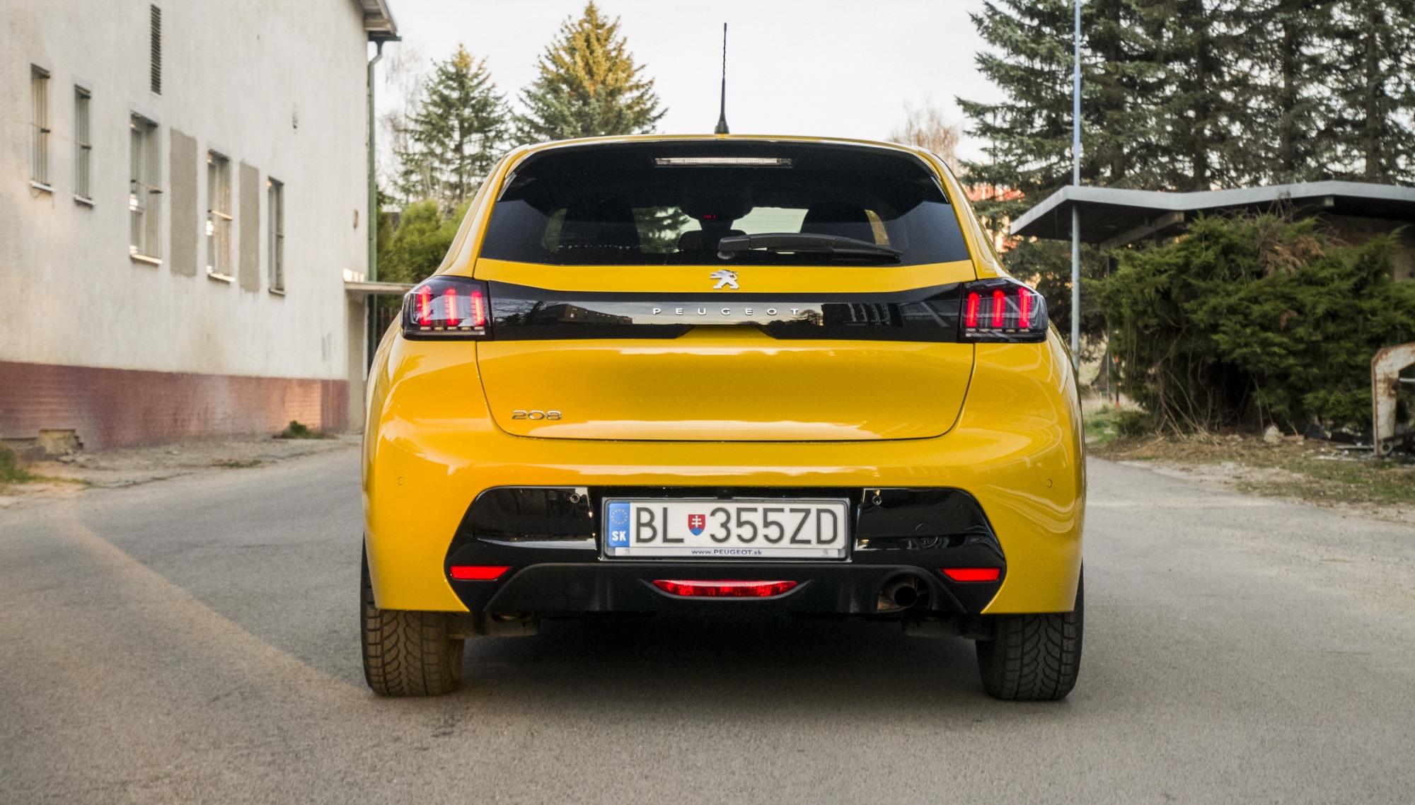 Test: Peugeot 208 prekvapivo pútal pohľady 1sNI0qz6eb peugeot-208-27
