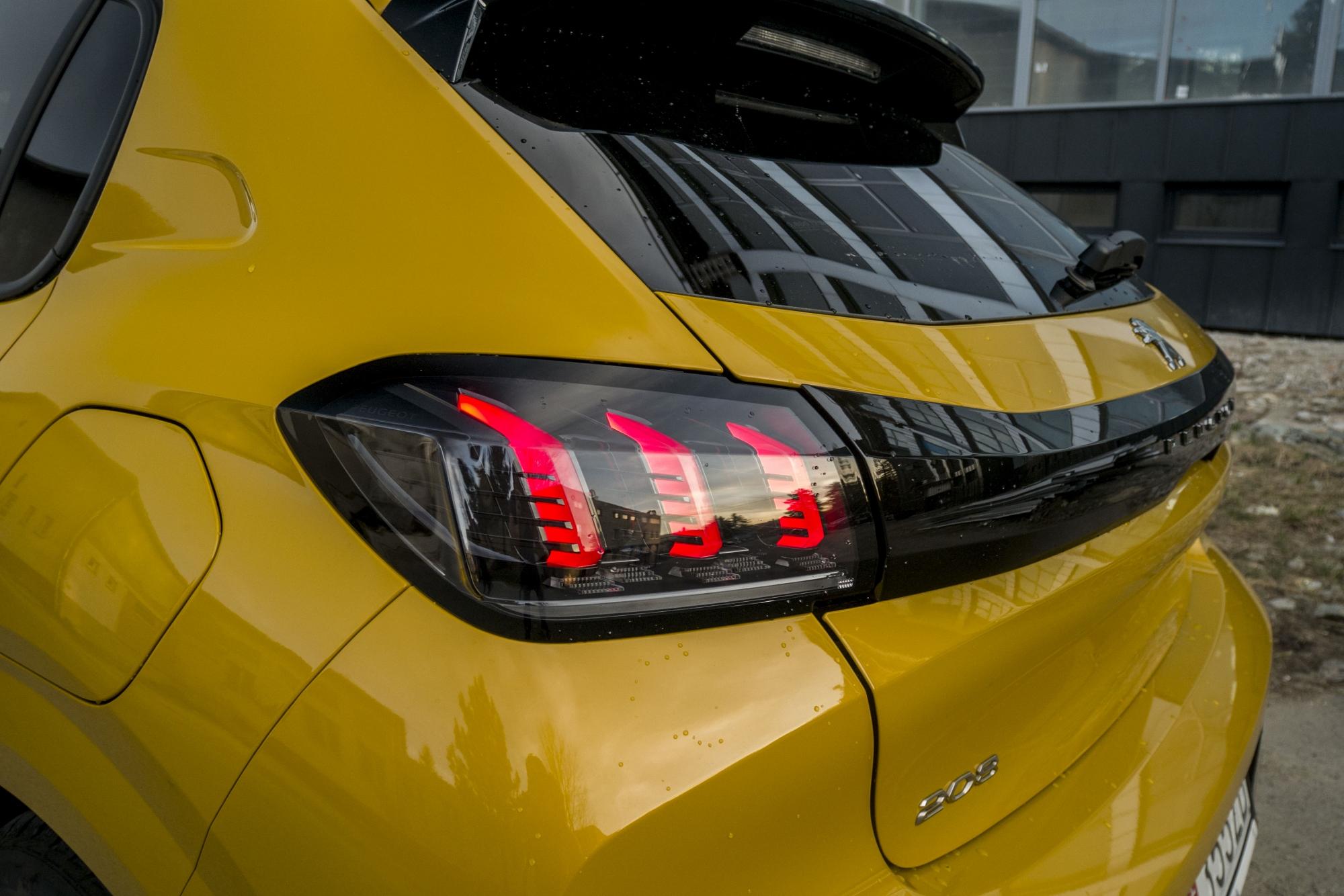 Test: Peugeot 208 prekvapivo pútal pohľady 4y9FgOpXG6 peugeot-208-25