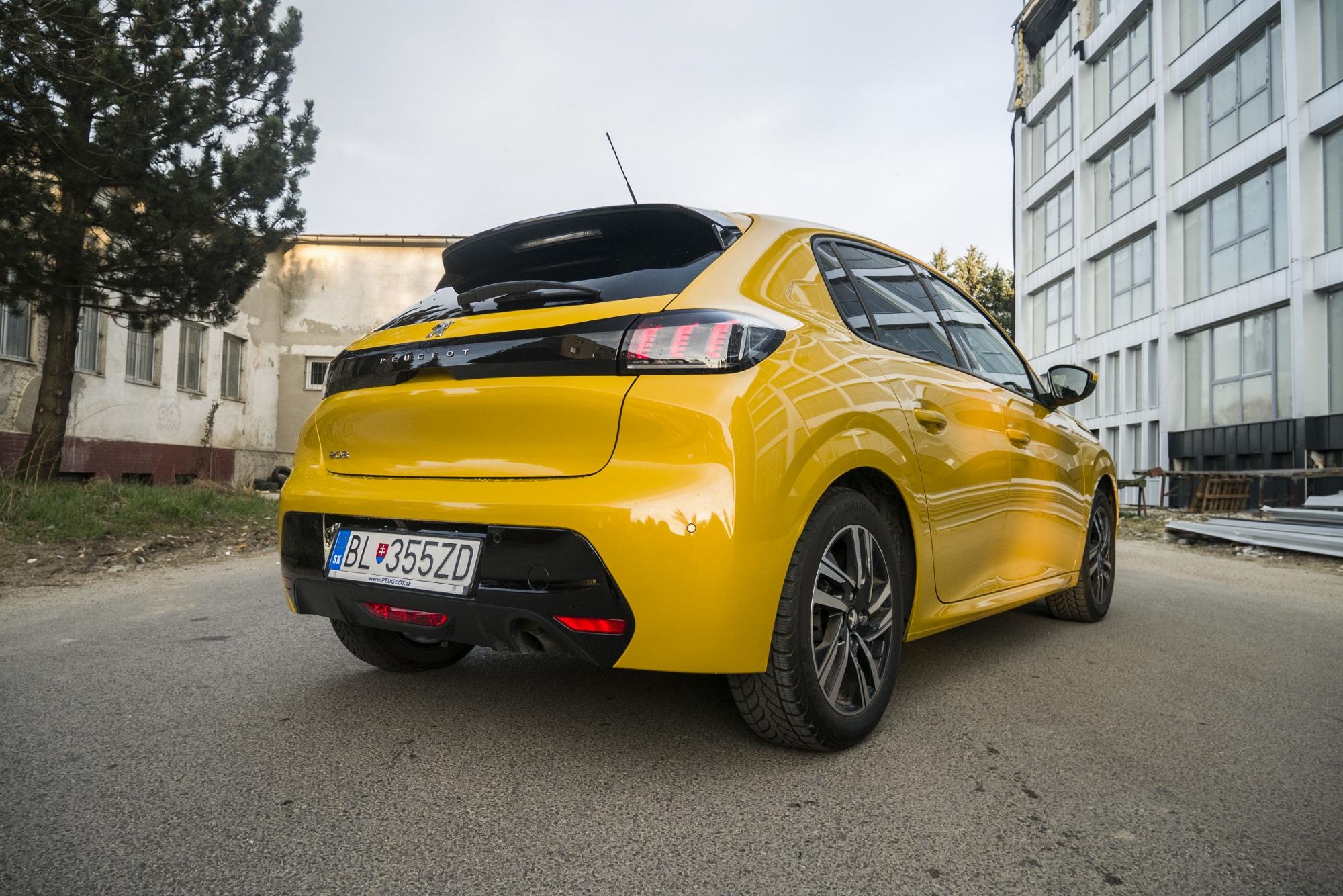 Test: Peugeot 208 prekvapivo pútal pohľady d7idiV2Nrr peugeot-208-15