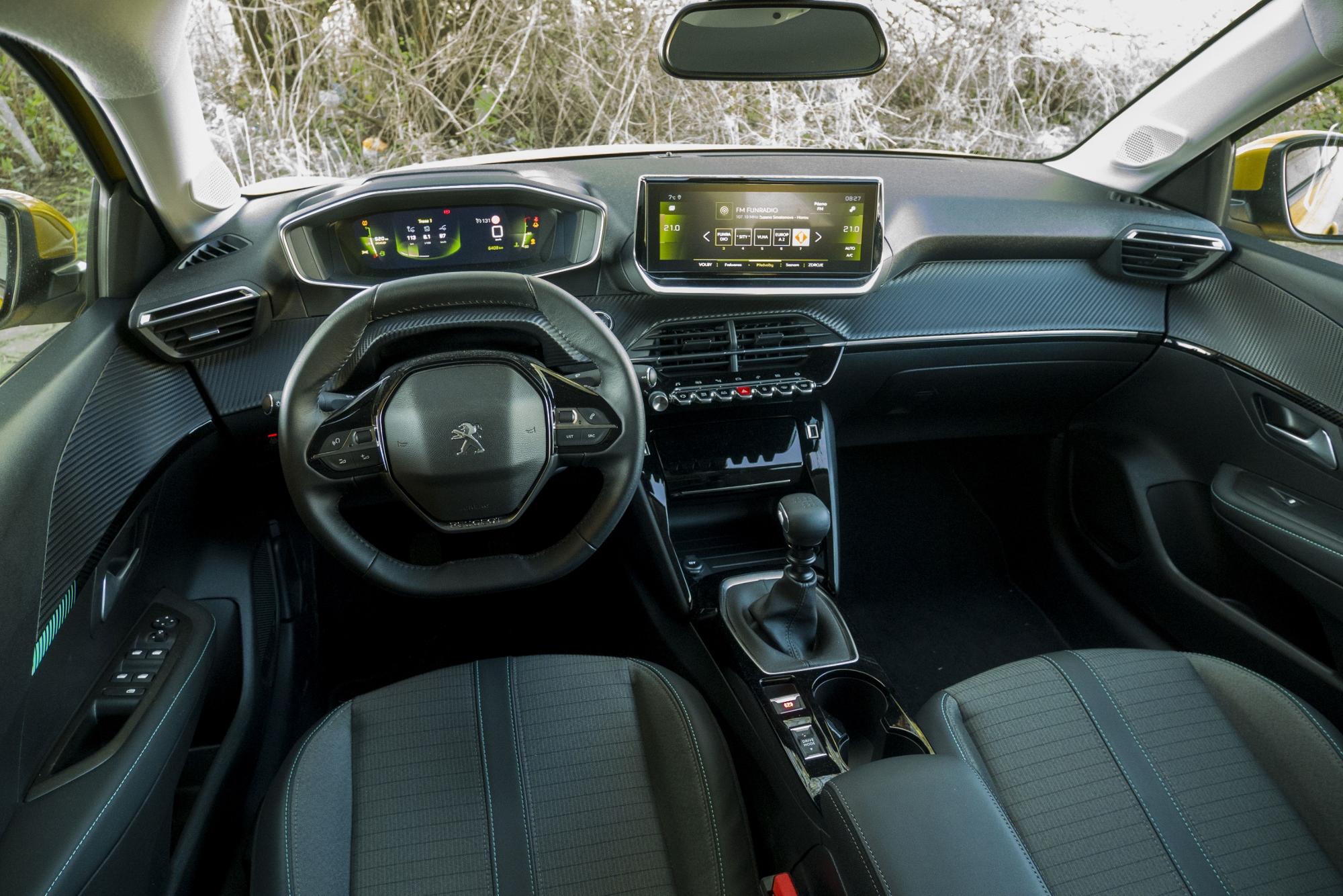 Test: Peugeot 208 prekvapivo pútal pohľady rlrOaUItJZ peugeot-208-36